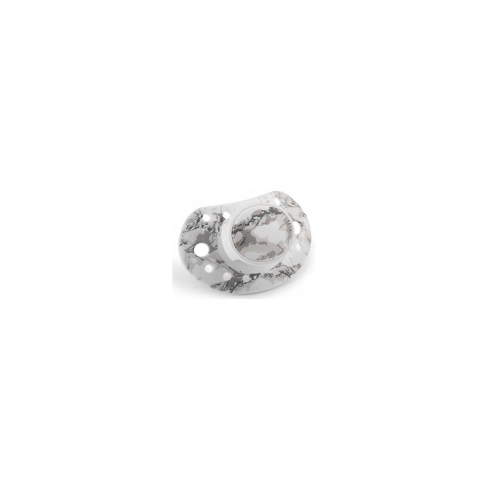 Пустышка Marble Grey, Elodie DetailsПустышки и аксессуары<br>Пустышка Marble Grey, Elodie Details (Элоди Дитейлс)<br><br>Характеристики:<br><br>• ортодонтальная форма<br>• соответствует европейскому стандарту<br>• не содержит бисфенол А<br>• материал: тритан<br>• размер упаковки: 14х8х5 см<br>• вес: 25 грамм<br><br>Стильная пустышка Marble Grey очень качественная и полностью безопасная для ребенка. Она изготовлена из тритана. Этот материал соответствует европейским стандартам, не содержит бисфенол А и обладает высокой прочностью. Ортодонтальная форма поспособствует правильному развитию ротовой полости. Красивая и качественная пустышка - отличный подарок для маленьких модников!<br><br>Пустышку Marble Grey, Elodie Details (Элоди Дитейлс) можно купить в нашем интернет-магазине.<br><br>Ширина мм: 140<br>Глубина мм: 80<br>Высота мм: 50<br>Вес г: 25<br>Возраст от месяцев: 3<br>Возраст до месяцев: 18<br>Пол: Унисекс<br>Возраст: Детский<br>SKU: 4887727