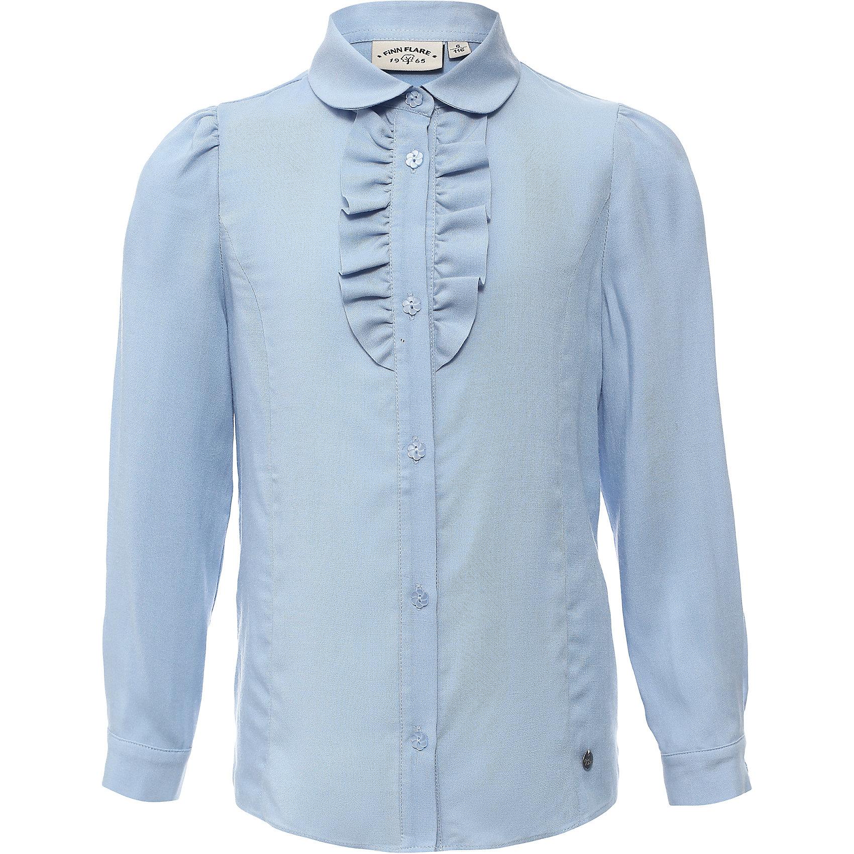Блузка для девочки Finn FlareБлузка для девочки известной марки Finn Flare.<br><br>Школьная блузка для девочки украшена волнами у ворота, имеет декоративные пуговицы-цветочки. Блузка с длинными рукавами, которые имеют узкие манжеты на пуговичках. Рукава блузки можно подкатить – получится блузка с рукавами на 3/4. <br><br>Фактура материала: Текстильный<br>Вид застежки: Пуговицы<br>Длина рукава: Длинные<br>Тип карманов: Без карманов<br><br>Состав: 95% вискоза, 5% эластан<br><br>Блузку для девочки Finn Flare можно купить в нашем интернет-магазине.<br><br>Ширина мм: 186<br>Глубина мм: 87<br>Высота мм: 198<br>Вес г: 197<br>Цвет: голубой<br>Возраст от месяцев: 60<br>Возраст до месяцев: 72<br>Пол: Женский<br>Возраст: Детский<br>Размер: 116,158,152,146,140,134,128,122<br>SKU: 4890158