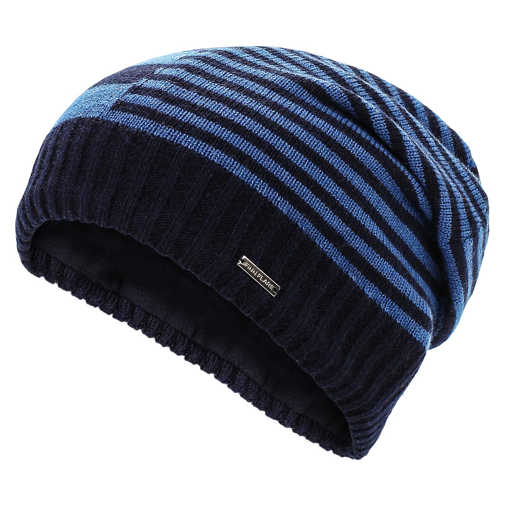 Шапка для мальчика Finn FlareГоловные уборы<br>Шапка известной марки Finn Flare.<br><br>Утепленная шапка на подкладке надежно защищает ребенка в осенне-весенний период, когда на улице холодно и дует ветер. Полосатый принт шапки, широкая окантовка и спущенный мысок на макушке выгодно выделяют шапку среди других моделей. <br><br>Состав: 50% акрил, 50% шерсть<br>Подкладка: 100% полиэстер<br><br>Шапку для мальчика Finn Flare можно купить в нашем интернет-магазине.<br><br>Ширина мм: 89<br>Глубина мм: 117<br>Высота мм: 44<br>Вес г: 155<br>Цвет: синий<br>Возраст от месяцев: 60<br>Возраст до месяцев: 72<br>Пол: Мужской<br>Возраст: Детский<br>Размер: 54<br>SKU: 4890396