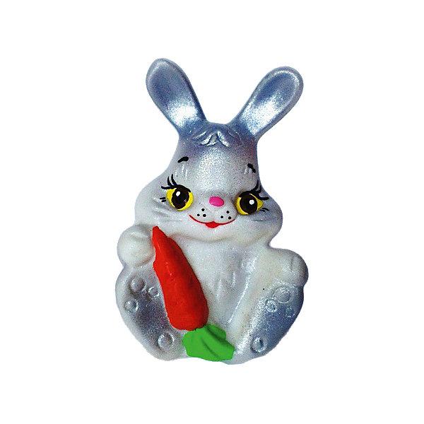 Зайчик с морковкой, КудесникиИгрушки для ванной<br>Зайчик с морковкой, Кудесники<br><br>Характеристики:<br><br>• Материал: ПВХ.<br>• Размер: 8х6 х6,5см.<br><br>Отличная игрушка из мягкого ПВХ надолго займет внимание вашего малыша. Эта игрушка поможет малышу при прорезывании зубов, поможет развивать моторику рук, знакомить с формой, цветом, образами также с ней можно забавно поиграть в ванной. Яркий образ нежного забавного зайки поможет ребенку придумывать различные сюжетно-ролевые игры.<br><br>Зайчика с морковкой, Кудесники, можно купить в нашем интернет – магазине.<br>Ширина мм: 80; Глубина мм: 60; Высота мм: 65; Вес г: 23; Возраст от месяцев: 12; Возраст до месяцев: 36; Пол: Унисекс; Возраст: Детский; SKU: 4896464;