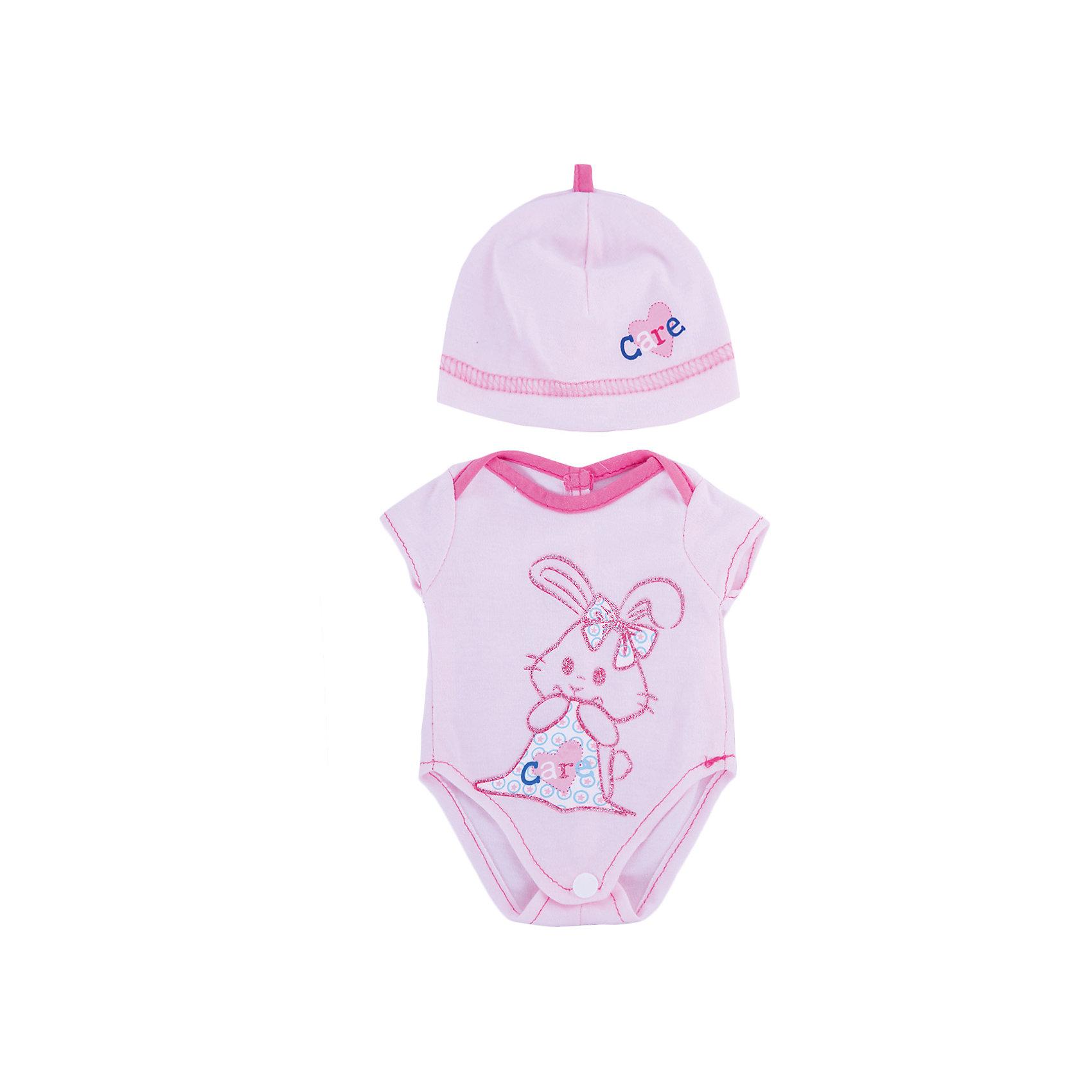 Одежда для кукол Розовое боди в наборе с шапочкойКукольная одежда и аксессуары<br>Одежда для кукол: боди (розовый цвет) в наборе с шапочкой, размер: 30x20см, текстильные материалы, от 1 года<br><br>Ширина мм: 300<br>Глубина мм: 200<br>Высота мм: 10<br>Вес г: 521<br>Возраст от месяцев: 36<br>Возраст до месяцев: 144<br>Пол: Женский<br>Возраст: Детский<br>SKU: 4896508