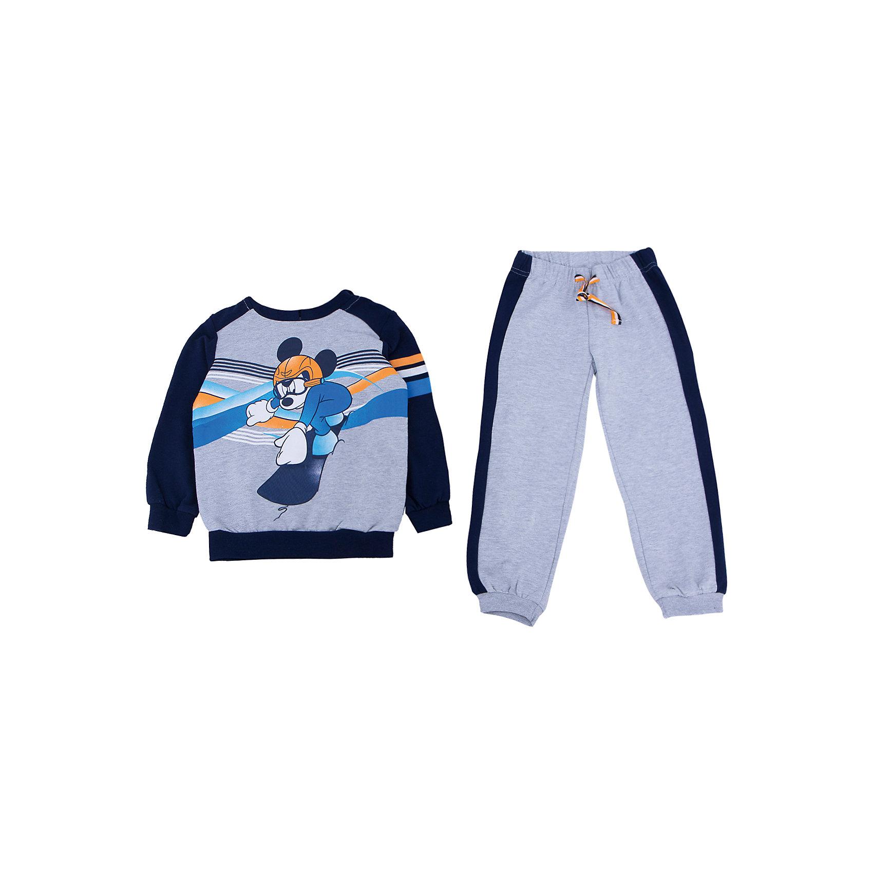 Комплект: толстовка и брюки для мальчика PlayTodayКомплекты<br>Комплект: толстовка и брюки для мальчика от известного бренда PlayToday.<br>Уютный комплект из толстовки и брюк в спортивном стиле. <br>Толстовка украшена лицензионным диснеевским принтом с забавным Микки-Маусом. Рукава и низ на широкой трикотажной резинке, есть капюшон.<br>Пояс брюк на мягкой резинке, дополнительно утягивается яркой тесьмой. По бокам контрастные темно-синие лампасы. Низ штанишек на широкой трикотажной резинке. <br>Состав:<br>80% хлопок, 20% полиэстер<br><br>Ширина мм: 215<br>Глубина мм: 88<br>Высота мм: 191<br>Вес г: 336<br>Цвет: синий<br>Возраст от месяцев: 72<br>Возраст до месяцев: 84<br>Пол: Мужской<br>Возраст: Детский<br>Размер: 122,134,128,116,110,104,98,140<br>SKU: 4897877