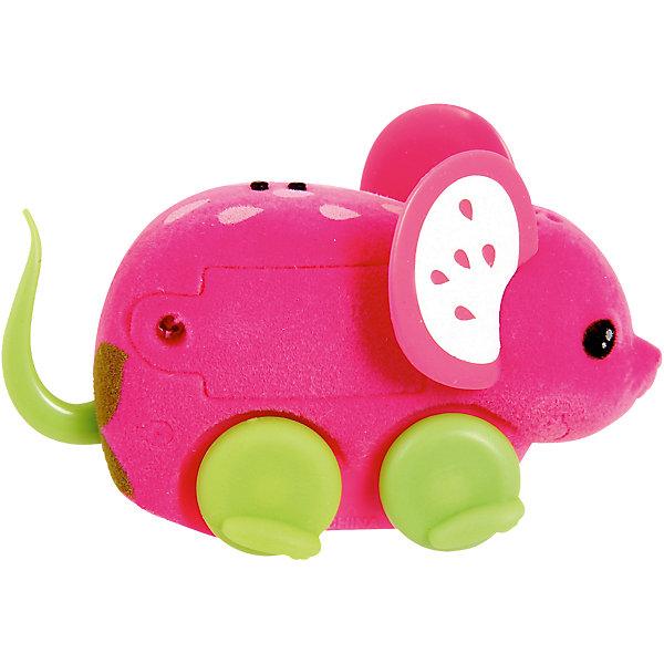 Интерактивная мышка Little Live Pets, клубничка, MooseИнтерактивные животные<br>Интерактивная мышка Little Live Pets, Moose мягкая, как настоящая мышка. Она умеет быстро двигаться и крутиться. Сенсор на спине позволяет включить игрушку с помощью поглаживания, если мышка заснула. Кнопка включения расположена в области ротика. Такая замечательная мышка обязательно вызовет интерес у малыша!<br><br>Дополнительная информация:<br>Материал: пластик, флок<br>Цвет: клубника<br>Батарейки: AG13 (LR44) (входят в комплект)<br><br>Интерактивную мышку Little Live Pets, Moose вы можете приобрести в нашем интернет-магазине.<br><br>Ширина мм: 223<br>Глубина мм: 159<br>Высота мм: 53<br>Вес г: 80<br>Возраст от месяцев: 60<br>Возраст до месяцев: 108<br>Пол: Женский<br>Возраст: Детский<br>SKU: 4898560