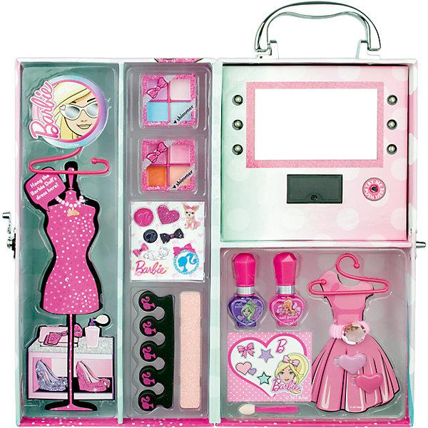 Игровой набор детской декоративной косметики в чемодане с подсветкой, BarbieНаборы детской косметики<br>Игровой набор детской декоративной косметики в чемодане с подсветкой, Barbie (Барби)<br><br>Характеристики:<br><br>• косметика безопасна для ребенка<br>• яркая упаковка<br>• содержит все необходимые инструменты<br>• не содержит парабенов и пальмового масла<br>• подходит в качестве подарка<br>• батарейки: CR2032 - 2 шт. (входят в комплект)<br>• в комплекте: тени для век, блеск для губ, лак для ногтей, аппликатор, заколки для волос, резинка, разделитель для пальцев, пилка, вешалки для кукольных платьев, стенд для платьев, зеркало<br>• размер: 15,8х12,8х30 см<br>• вес: 730 грамм<br>• перед первым применением рекомендуется провести тест на аллергию: нанесите немного косметики на кожу на 30-40 минут и проверьте реакцию<br><br>Набор декоративной косметики Барби создан для девочек, мечтающих почувствовать себя настоящими стилистами. Смотря в зеркальце, девочка сможет создать себе неповторимый макияж. Вся косметика представлена в нескольких цветовых оттенках, что поможет девочке проявить фантазию для создания яркого образа. Лак для ногтей на водной основе подойдет не только для маникюра, но и для педикюра. Для его создания потребуется разделитель для пальцев, который тоже входит в комплект. Различные аксессуары приятно дополнят готовый образ. Косметика изготовлена по щадящей формуле и полностью безопасна. Удобная упаковка позволяет брать всю косметику с собой в гости к подружкам!<br><br>Игровой набор детской декоративной косметики в чемодане с подсветкой, Barbie вы можете купить в нашем интернет-магазине.<br><br>Ширина мм: 321<br>Глубина мм: 162<br>Высота мм: 137<br>Вес г: 728<br>Возраст от месяцев: 48<br>Возраст до месяцев: 84<br>Пол: Женский<br>Возраст: Детский<br>SKU: 4900294