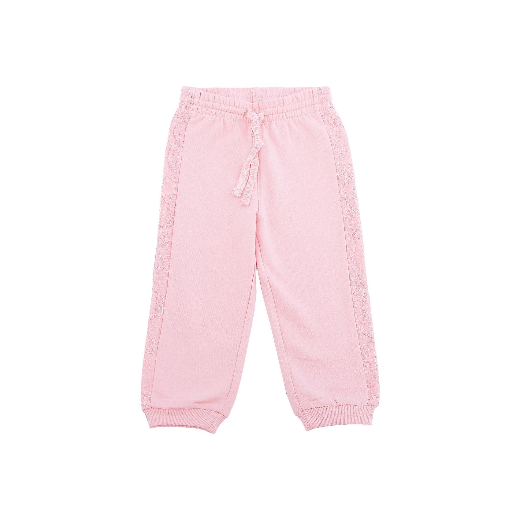 Брюки для девочки PlayTodayБрюки для девочки от известного бренда PlayToday.<br>Уютные розовые брюки из футера с начесом. Нежная кружевная отделка по бокам. Пояс на резинке, дополнительно регулируется тесьмой со сверкающей люрексной нитью. Низ штанишек на трикотажной резинке.<br>Состав:<br>80% хлопок, 20% полиэстер<br><br>Ширина мм: 157<br>Глубина мм: 13<br>Высота мм: 119<br>Вес г: 200<br>Цвет: розовый<br>Возраст от месяцев: 12<br>Возраст до месяцев: 15<br>Пол: Женский<br>Возраст: Детский<br>Размер: 74,92,86,80<br>SKU: 4900554