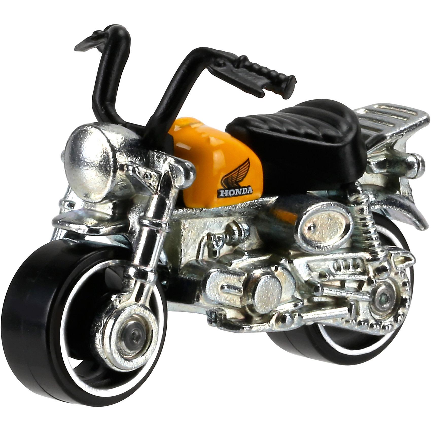 Машинка Hot Wheels из базовой коллекцииМашинка Hot Wheels из базовой коллекции – высококачественная масштабная модель машины, имеющая неординарный, радикальный дизайн. <br><br>В упаковке 1 машинка,  машинки тематически обусловлены от фантазийных, спасательных до экстремальных и просто скоростных машин. <br><br>Соберите свою коллекцию машинок Hot Wheels!<br><br>Дополнительная информация: <br><br>Машинка стандартного размера Hot Wheels<br>Размер упаковки: 11 х 10,5 х 3,5 см<br><br>Ширина мм: 110<br>Глубина мм: 45<br>Высота мм: 110<br>Вес г: 30<br>Возраст от месяцев: 36<br>Возраст до месяцев: 96<br>Пол: Мужской<br>Возраст: Детский<br>SKU: 4901824