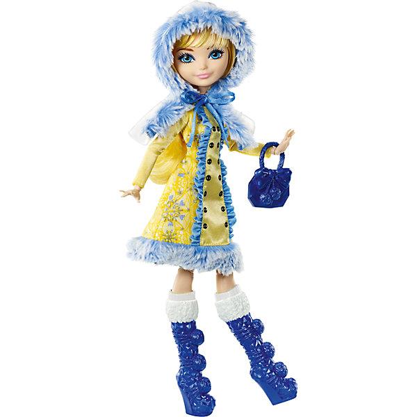 Кукла Блонди Локс из коллекции Заколдованная зима, Ever After HighКуклы<br>Кукла Блонди Локс из новой серии Заколдованная зима  будет отличным подарком для поклонников мультсериала и не только. Ведь это самая первая зимняя серия, выпущенная у кукол Ever After High (Школа Долго и счастливо). Также, эта серия отмечена наиболее естественными чертами лица, минимальным количеством макияжа, что делает куклу более свежей и живой. В дополнение, зимняя Блонди Локс,  в отличие от предыдущих ее версий, приветливо улыбается.<br><br>В школу Долго и Счастливо как снег на голову пришла зима! Новая серия «Заколдованная зима»  радует поклонников популярного мультсериала новыми волшебными зимними нарядами в которых они готовы спасти всю школу от внезапного холода. Блонди Локс, дочка Златовласки, является одной из главных героинь новой серии. Она представлена в блестящем желто-синем наряде, утепленном мехом. Морозные узоры на ткани соответствуют особенностям ее характера и стиля. В Центральной части зимнего наряда ярким принтом отмечены пуговки в два ряда, а по краям - голубые оборочки, в тон завязкам на капюшоне. Меховая отделка на съемном капюшоне совпадает с отделкой на подоле. Ножки куколки, в отличие от других куколок серии - обычные, они не расписаны узорами. Сапожки украшены  небольшими помпончиками.   У Блонди в руках сумочка из кристаллов с точно такими же помпонами.<br> В состав гардероба из новой серии входят: сапожки с помпончиками, зимний съемный капюшон и синяя сумочка. А для обладательницы куклы приготовлен специальный сюрприз – сверкающее кольцо с розой любознательности внутри, так как Блонди Локс является почетной хранительницей розы любознательности. Также в набор входит дневничок с историей персонажа, а сама кукла может закрепляться на подставке (Подставка в набор не входит).<br>Дополнительная информация:<br>- В комплекте: кукла в одежде и обуви, дневничок, сумочка, съемный капюшон, кольцо детского размера<br>- Материал: пластик, текстиль<br>- Высота: 26 см.<br>- Ку