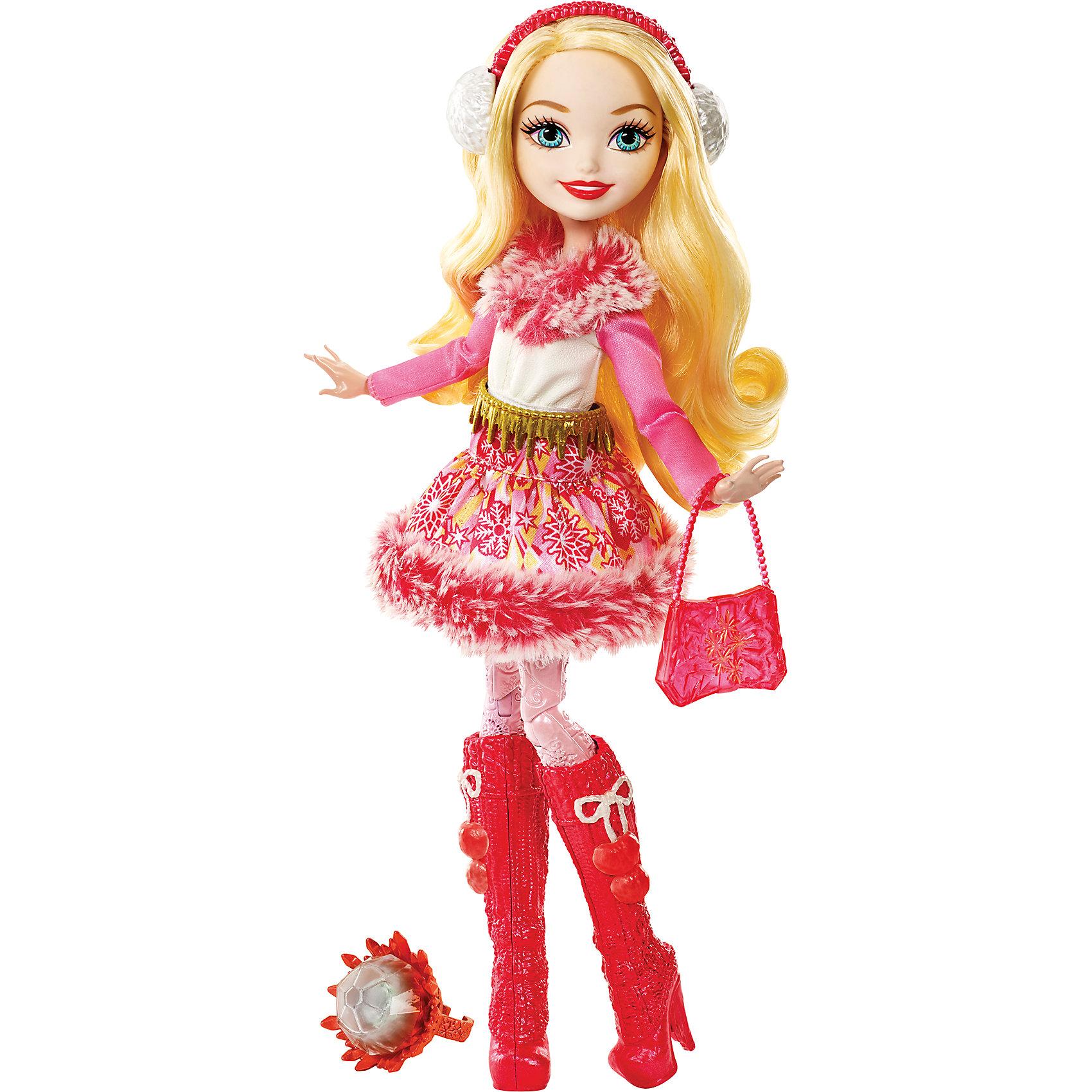 Кукла Эппл Уайт из коллекции Заколдованная зима, Ever After HighБренды кукол<br>Кукла Эппл Уайт из новой серии Заколдованная зима  будет отличным подарком для поклонников мультсериала и не только. Ведь это самая первая зимняя серия, выпущенная у кукол Ever After High (Школа Долго и счастливо). Также, эта серия отмечена наиболее естественными чертами лица, минимальным количеством макияжа, что делает куклу более свежей и живой. В дополнение,  зимняя Эппл Уайт, в отличие от предыдущих ее версий, приветливо улыбается.<br>В школу Долго и Счастливо как снег на голову пришла зима! Новая серия «Заколдованная зима»  радует поклонников популярного мультсериала новыми волшебными зимними нарядам, <br> в которых они готовы спасти всю школу от внезапного холода. Эппл Уайт, дочка Белоснежки, является одной из главных героинь новой серии. Она предствлена в  блестящем наряде, утепленном мехом. Морозные узоры на юбочке соответствуют особенностям ее характера– в них включены яблоки, звезды и снежинки. Блестящие розовые рукава сочетаются с тоном мехового воротничка, а ремешок из золотых красталлов дополняет образ. На золотых волосах принцессы теплые зимние наушники. На ножках куколки орнаментами расписаны бледно-розовые леггинсы, их снять нельзя.  Ее теплые сапожки,  выполненные в вязаном стиле с помпончиками идеально сочетаются с зимними наушниками и дополняются красной ледяной сумочкой в тон.<br>В состав гардероба из новой серии входят: теплые сапожки, зимние наушники и красная ледяная сумочка. А для обладательницы куклы приготовлен специальный сюрприз – сверкающее кольцо с королевской розой внутри, так как Эппл Уайт является почетной хранительницей королевской розы. Также в набор входит дневничок с историей персонажа, а сама кукла может закрепляться на подставке (Подставка в набор не входит).<br>Дополнительная информация:<br>- В комплекте: кукла в одежде и обуви, дневничок, сумочка, наушники, кольцо детского размера<br>- Материал: пластик, текстиль<br>- Высота: 26 см.<br>- Кукла на 