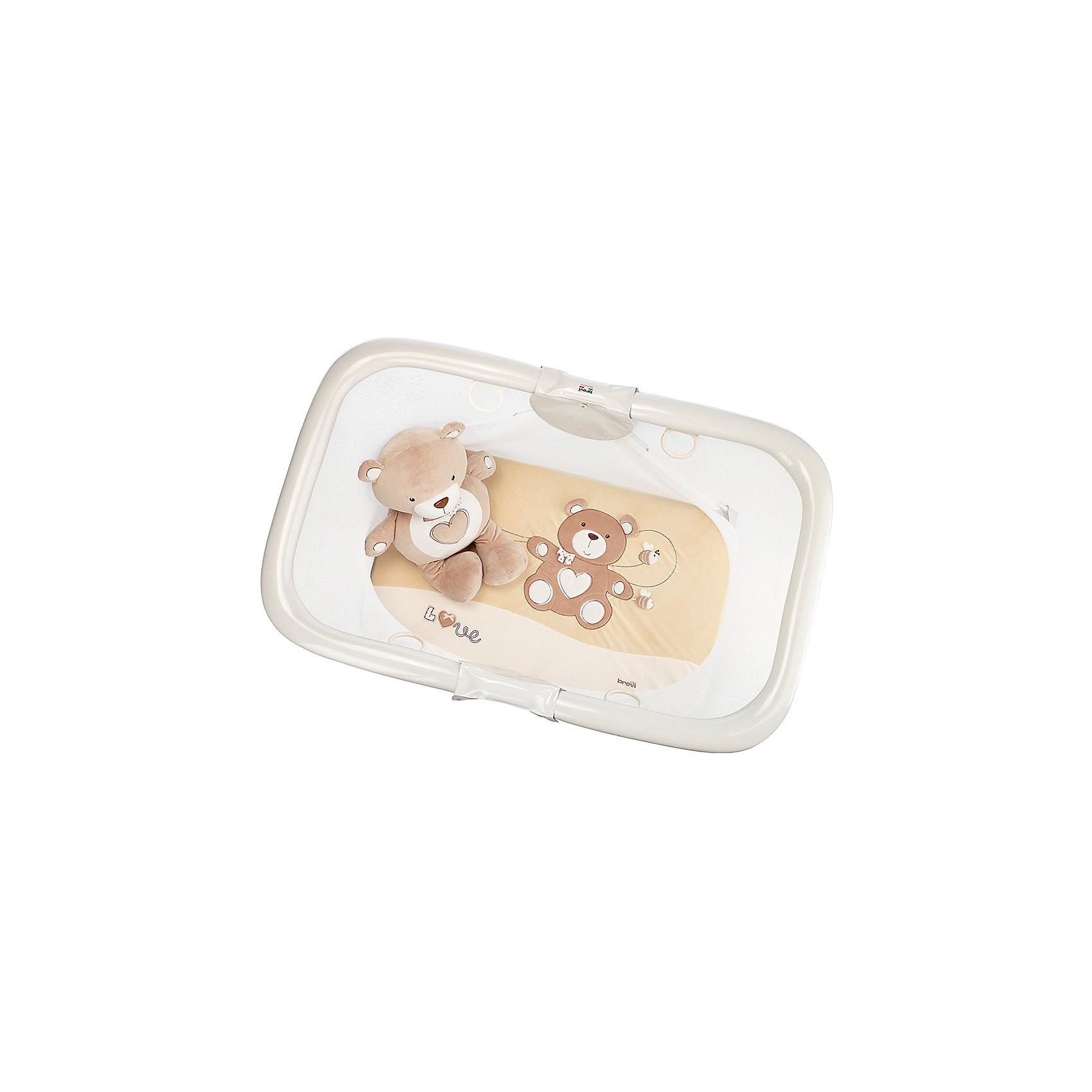 Манеж SOFT &amp; PLAY MY LITTLE BEAR, Brevi, бежевый/мишкаИгровые манежи<br>SOFT &amp; PLAY MY LITTLE BEAR, Brevi (брэви) – развивающий манеж, предназначенный для детей с рождения до 3 лет. С помощью этого манежа вы можете не только обеспечить ребенку безопасность в отсутствие родителей, но и помочь развитию малыша. Манеж оснащен четырьмя кольцами на бортиках, с помощью которых ваш ребенок сможет научиться вставать самостоятельно. В сложенном виде очень удобен для хранения и занимает мало места. Приятный дизайн обязательно понравится ребенку и позволит ему погрузиться в свой собственный мир игр.<br>Особенности и преимущества:<br>-четыре ручки для удобства малыша<br>-четыре блокирующих устройства, обеспечивающих устойчивость<br>-ткани манежа можно стирать <br>-мягкий матрасик с медвежонком для игр<br>Размеры: 79x78x125 см<br>Вес: 14 кг<br>Вы можете приобрести SOFT &amp; PLAY MY LITTLE BEAR в нашем интернет-магазине.<br><br>Ширина мм: 1250<br>Глубина мм: 790<br>Высота мм: 790<br>Вес г: 14000<br>Возраст от месяцев: 3<br>Возраст до месяцев: 36<br>Пол: Унисекс<br>Возраст: Детский<br>SKU: 4902068