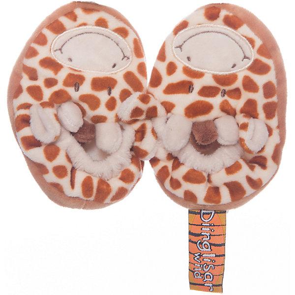 Пинетки Жираф большие 12 см, Динглисар, TeddykompanietПинетки и царапки<br>Пинетки Жираф большие 12 см, Динглисар, Teddykompaniet (Тэдди и компания) - эти мягкие удобные пинетки помогут малышу сделать первые шаги.<br>Милые пинетки Жираф от шведской компании Teddykompaniet отлично подходят для малышей, которые только учатся самостоятельно ходить. Они имеют гибкую подошву с тормозом в виде следа, что обеспечит защиту от скольжения на гладком полу. Пинетки в виде дружелюбных жирафов с торчащими ушками и рожками не только украсят ножки малыша, но и будут держать их в тепле. Мягкий, безворсовый грязеотталкивающий велюр, из которого они изготовлены, не раздражает нежную детскую кожу и подходит для малышей, склонных к аллергии. Товар полностью соответствует европейским и российским стандартам качества.<br><br>Дополнительная информация:<br><br>- На размер ножки 12 см.<br>- Материал: мягкий велюр, грязеотталкивающий<br>- Уход: ручная стирка<br><br>Пинетки Жираф большие 12 см, Динглисар, Teddykompaniet (Тэдди и компания) можно купить в нашем интернет-магазине.<br>Ширина мм: 50; Глубина мм: 100; Высота мм: 100; Вес г: 120; Возраст от месяцев: 0; Возраст до месяцев: 3; Пол: Унисекс; Возраст: Детский; SKU: 4902227;