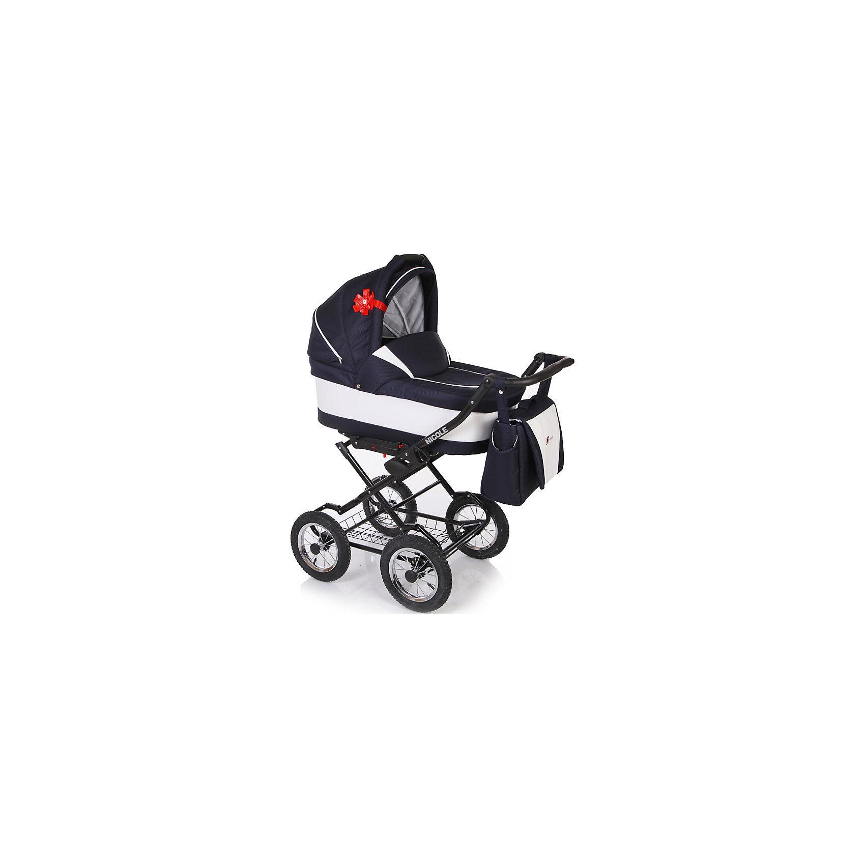 Коляска 2 в 1 NICOLE, Jetem, т.синий/ЭКО кожа белыйJETEM Nicole (Жэтэм Николь) – многофункциональная коляска с приятной расцветкой, предназначенная для прогулок с детьми с рождения и до 3 лет. Оба модуля коляски возможно установить лицом к маме и по ходу движения. Благодаря просторной люльке и большим надувным колёсам, даже зимняя прогулка принесёт удовольствие и маме, и малышу. Коляска оснащена вместительной сумкой для мамы, большой корзиной для покупок, регулирующимися ручкой и подножкой и спинкой.<br>Особенности и преимущества:<br>-сложение рамы «книжкой»<br>-вместительная корзина для покупок и сумка для мамы<br>-съемная х/б подкладка<br>-съемный утепленный чехол<br>-возможности регулировки подножки, спинки и ручки коляски<br>Комплектация: москитная сетка, дождевик, сумка для мамы, декоративный бантик на магните<br>Размеры: 46x44x90 см<br>Вес с упаковкой: 25 кг<br>Ширина оси: 58 см<br>Размеры люльки: 80x39x24 см<br>Размеры прогулочного блока: 90x35 см<br><br>Вы можете приобрести коляску JETEM Nicole в нашем интернет-магазине.<br><br>Ширина мм: 850<br>Глубина мм: 310<br>Высота мм: 630<br>Вес г: 25000<br>Возраст от месяцев: 0<br>Возраст до месяцев: 36<br>Пол: Унисекс<br>Возраст: Детский<br>SKU: 4905314