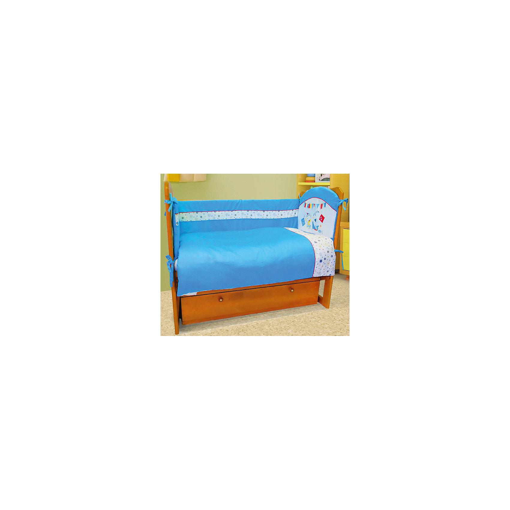 Постельное белье МОРСКОЙ 6 пред., Soni kids, голубойПостельное бельё<br>Красивый и очень нежный комплект детского постельного белья, состоящий из шести предметов.<br><br>Такой комплект станет прекрасным подарком для родителей и малыша! <br><br><br>Дополнительная информация:<br><br>- Размеры: <br> Одеяло 140х110 см.<br> Пододеяльника 142х112 см.<br> Бортик на всю кроватку.<br> Простынке на резинке 150х90 см.<br> Подушка 40х60 см.<br> Наволочка 40х60 см. <br>- Возраст: до 3 лет.<br>- Состав: 100% высококачественный хлопок.<br>- Наполнитель: импортный гладко окрашенный сатин.<br>- Цвет: голубой.<br>- Размер упаковки: 25х60х45 см.<br>- Вес в упаковке: 1200 г.<br><br>Купить постельное белье МОРСКОЙ от Soni kids в голубом цвете, можно в нашем магазине.<br><br>Ширина мм: 250<br>Глубина мм: 600<br>Высота мм: 450<br>Вес г: 1200<br>Возраст от месяцев: 0<br>Возраст до месяцев: 36<br>Пол: Мужской<br>Возраст: Детский<br>SKU: 4905948