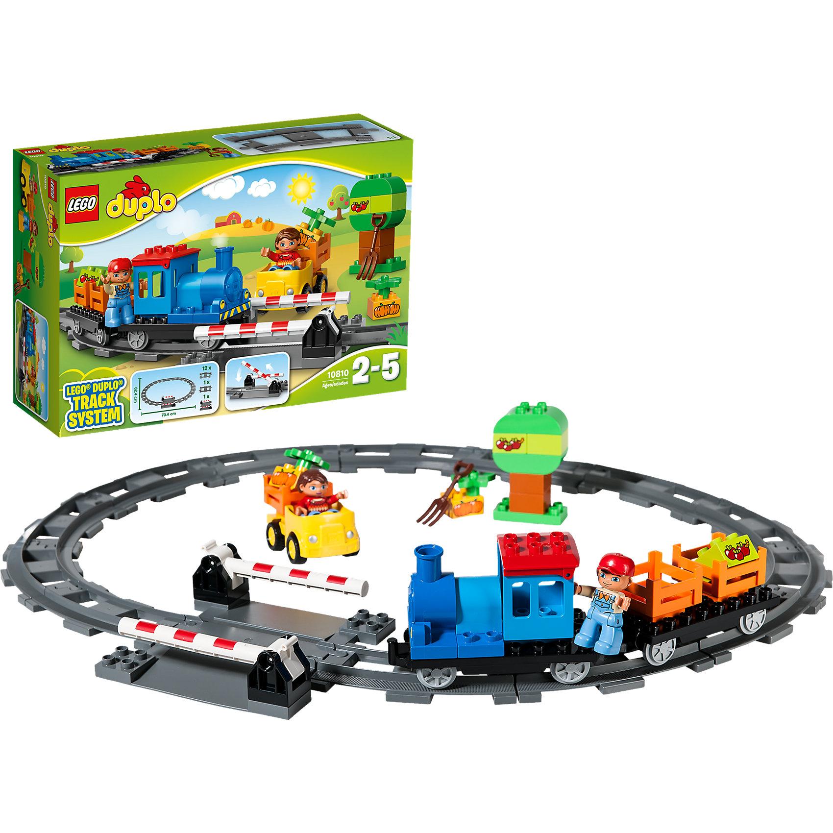 LEGO DUPLO 10810: ЛокомотивПластмассовые конструкторы<br>Играть в поезда обожает множество современных мальчишек, поэтому набор фигурок и конструктора в этой тематике обязательно обрадует ребенка. Игры с такими комплектами помогают детям развивать воображение, мелкую моторику, логику и творческое мышление.<br>Набор состоит из грузового поезда (локомотив с вагончиком), железной дороги овальной формы, жёлтого автомобиля, дерева, обучающих кубиков: 2 с тыковками и 2 с яблоками и двух фигурок<br>машиниста и водителя. С таким комплектом можно придумать множество игр!<br><br>Дополнительная информация:<br><br>цвет: разноцветный;<br>материал: пластик;<br>количество деталей: 45;<br>размеры: грузовой поезд (10х28х6 см), железная дорога (62х70 см), машина (9х11х7 см).<br><br>Комплект Локомотив от компании LEGO DUPLO можно купить в нашем магазине.<br><br>Ширина мм: 387<br>Глубина мм: 263<br>Высота мм: 124<br>Вес г: 1005<br>Возраст от месяцев: 24<br>Возраст до месяцев: 60<br>Пол: Унисекс<br>Возраст: Детский<br>SKU: 4906927