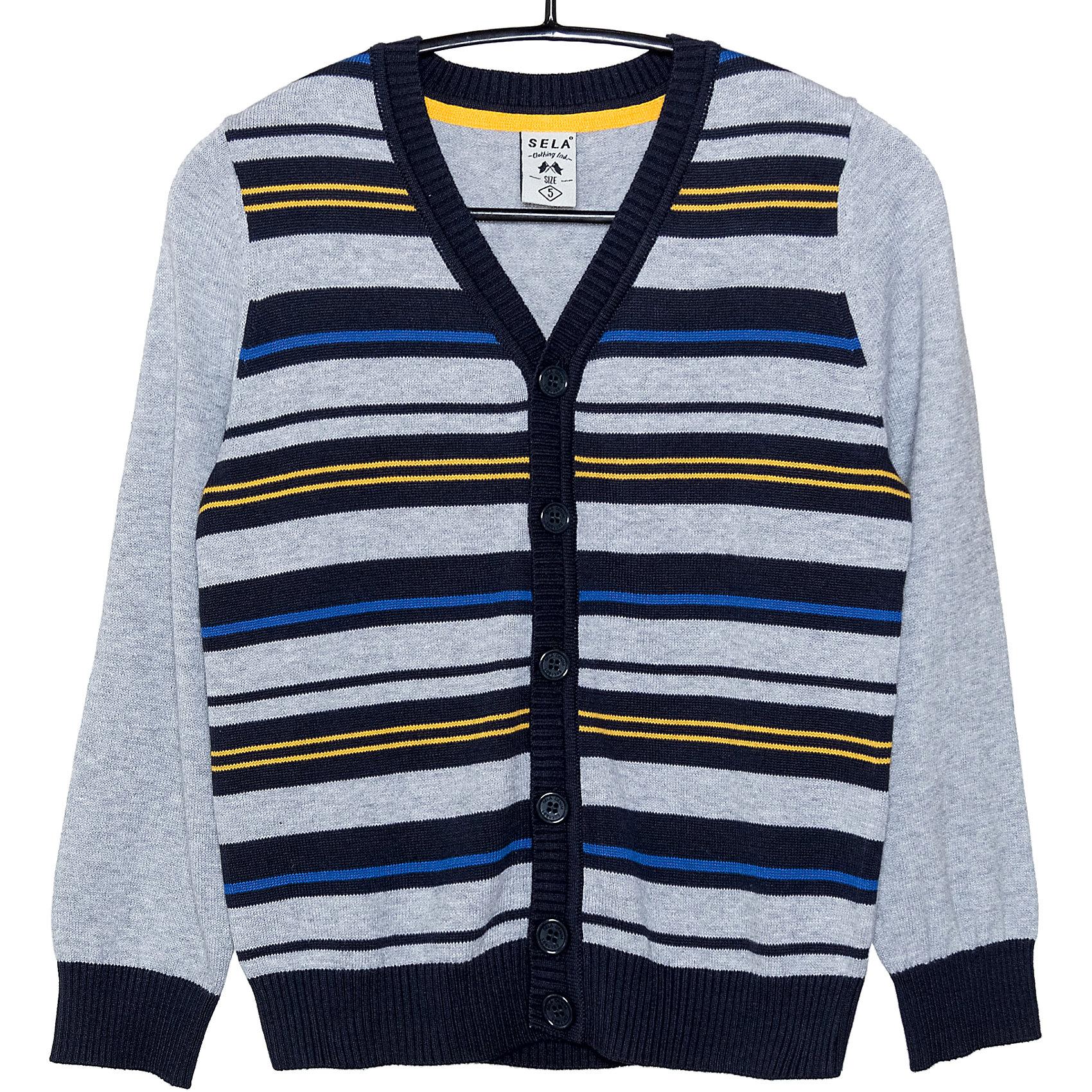 Кардиган для мальчика SELAСвитера и кардиганы<br>Детская одежда от SELA - это качественные модные вещи по привлекательным ценам. Данная модель относится к коллекции нового сезона, она учитывает последние тренды в моде, поэтому смотрится стильно, с ней можно создать множество ансамблей.<br>Этот жакет украшен вязаным рисунком. Рукава - длинные, силуэт классический, прямой. Резинки на рукавах и внизу изделия обеспечат ребенку тепло и удобство. Застегивается на пуговицы. Изделие сшито из тщательно подобранных материалов, абсолютно безопасных для ребенка.<br><br><br>Дополнительная информация:<br><br>цвет: серый;<br>состав: 100% хлопок;<br>резинки на рукавах и внизу изделия;<br>украшен вязаным рисунком;<br>пуговицы;<br>рукава длинные.<br><br>Жакет для мальчика от компании SELA можно купить в нашем магазине.<br><br>Ширина мм: 190<br>Глубина мм: 74<br>Высота мм: 229<br>Вес г: 236<br>Цвет: серый<br>Возраст от месяцев: 48<br>Возраст до месяцев: 60<br>Пол: Мужской<br>Возраст: Детский<br>Размер: 110,116,98,92,104<br>SKU: 4912953
