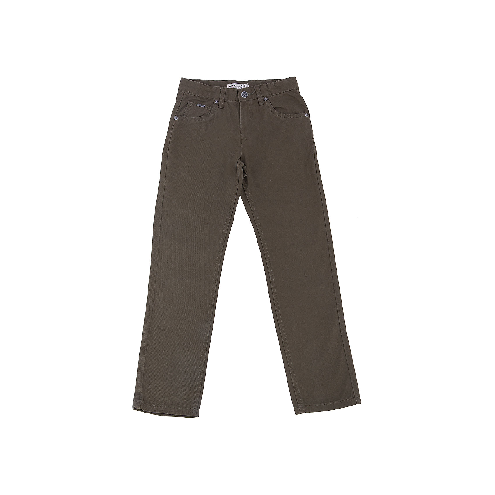 Брюки для мальчика SELAБрюки<br>Брюки для мальчика из коллекции осень-зима 2016-2017 от известного бренда SELA. Стильные брюки на каждый день приятного оливкового зеленого цвета сделаны из хлопка. Брюки на молнии, имеют классические 5 карманов, прекрасно подойдут как к рубашкам, так и к футболкам.<br><br>Дополнительная информация:<br>- Силуэт прямой <br><br>Состав: 100% хлопок <br><br>Брюки для мальчиков Sela можно купить в нашем интернет-магазине.<br>.<br>Подробнее:<br>• Для детей в возрасте: от 6 до 12 лет<br>• Номер товара: 4913212<br>Страна производитель: Бангладеш<br><br>Ширина мм: 215<br>Глубина мм: 88<br>Высота мм: 191<br>Вес г: 336<br>Цвет: зеленый<br>Возраст от месяцев: 96<br>Возраст до месяцев: 108<br>Пол: Мужской<br>Возраст: Детский<br>Размер: 134,116,122,140,152,146,128<br>SKU: 4913211