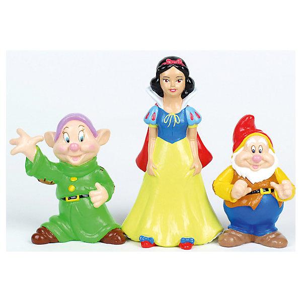 Набор из 3-х игрушек для купания Белоснежка и гномыПринцессы Дисней<br>Кто из малышей не любит плескаться в ванне?! Сделать купание веселее помогут игрушки в форме героев мультфильма Белоснежка и 7 гномов, этот набор обязательно порадует ребенка. Такие игрушки помогают детям развивать воображение, мелкую моторику, логику и творческое мышление.<br>Игрушки абсолютно безопасны для ребенка, сделаны из качественных материалов, легко моются. В них можно набирать воду и брызгаться струёй воды. В наборе - три игрушки. <br><br>Дополнительная информация:<br><br>цвет: разноцветный;<br>размер коробки: 6 х 19 х 13 см;<br>вес: 130 г;<br>материал: ПВХ;<br>комплектация: 3 игрушки.<br><br>Набор из 3-х игрушек для купания Белоснежка и гномы можно купить в нашем магазине.<br>Ширина мм: 60; Глубина мм: 130; Высота мм: 190; Вес г: 130; Возраст от месяцев: 6; Возраст до месяцев: 48; Пол: Женский; Возраст: Детский; SKU: 4913606;
