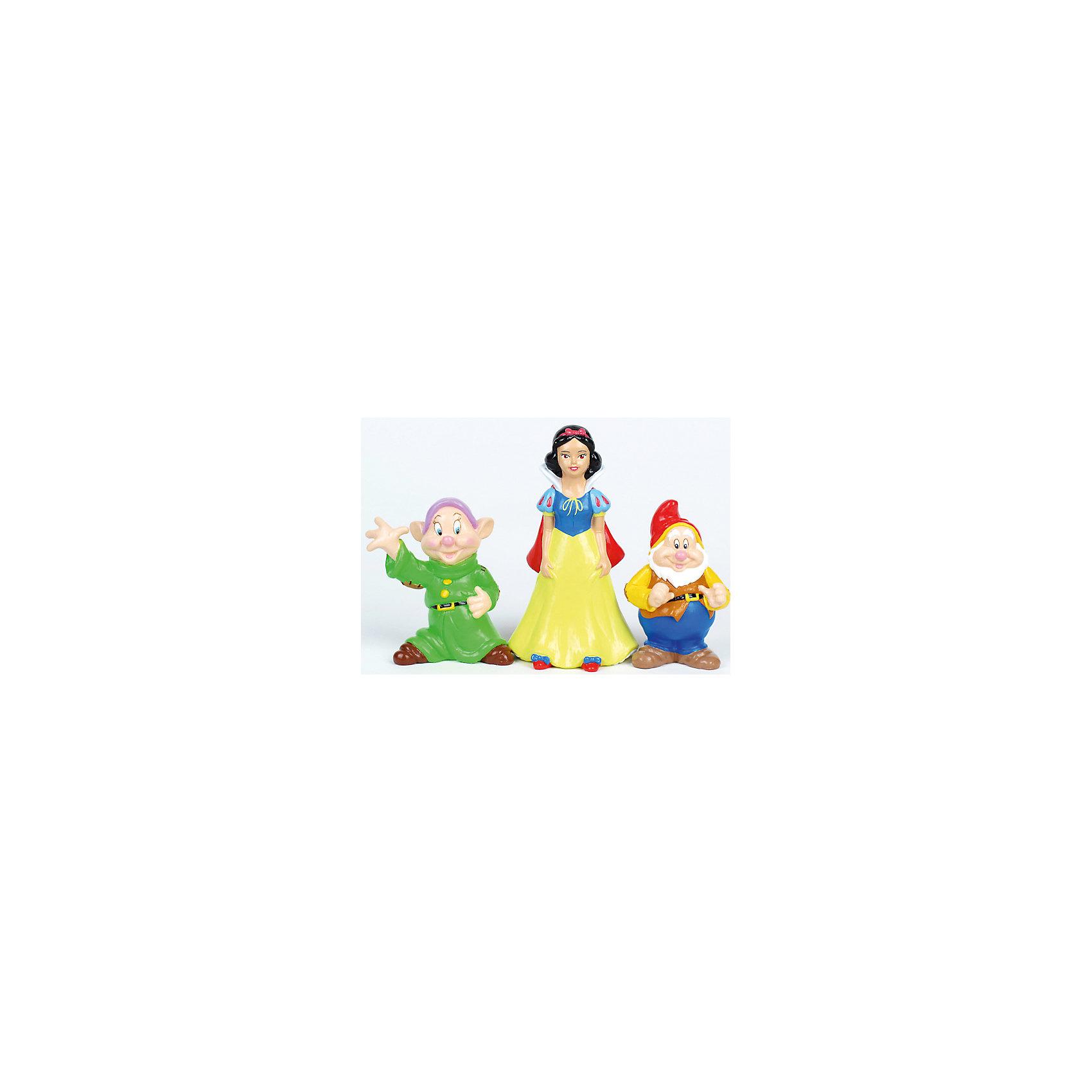 Набор из 3-х игрушек для купания Белоснежка и гномыПринцессы Дисней<br>Кто из малышей не любит плескаться в ванне?! Сделать купание веселее помогут игрушки в форме героев мультфильма Белоснежка и 7 гномов, этот набор обязательно порадует ребенка. Такие игрушки помогают детям развивать воображение, мелкую моторику, логику и творческое мышление.<br>Игрушки абсолютно безопасны для ребенка, сделаны из качественных материалов, легко моются. В них можно набирать воду и брызгаться струёй воды. В наборе - три игрушки. <br><br>Дополнительная информация:<br><br>цвет: разноцветный;<br>размер коробки: 6 х 19 х 13 см;<br>вес: 130 г;<br>материал: ПВХ;<br>комплектация: 3 игрушки.<br><br>Набор из 3-х игрушек для купания Белоснежка и гномы можно купить в нашем магазине.<br><br>Ширина мм: 60<br>Глубина мм: 130<br>Высота мм: 190<br>Вес г: 130<br>Возраст от месяцев: 6<br>Возраст до месяцев: 48<br>Пол: Женский<br>Возраст: Детский<br>SKU: 4913606