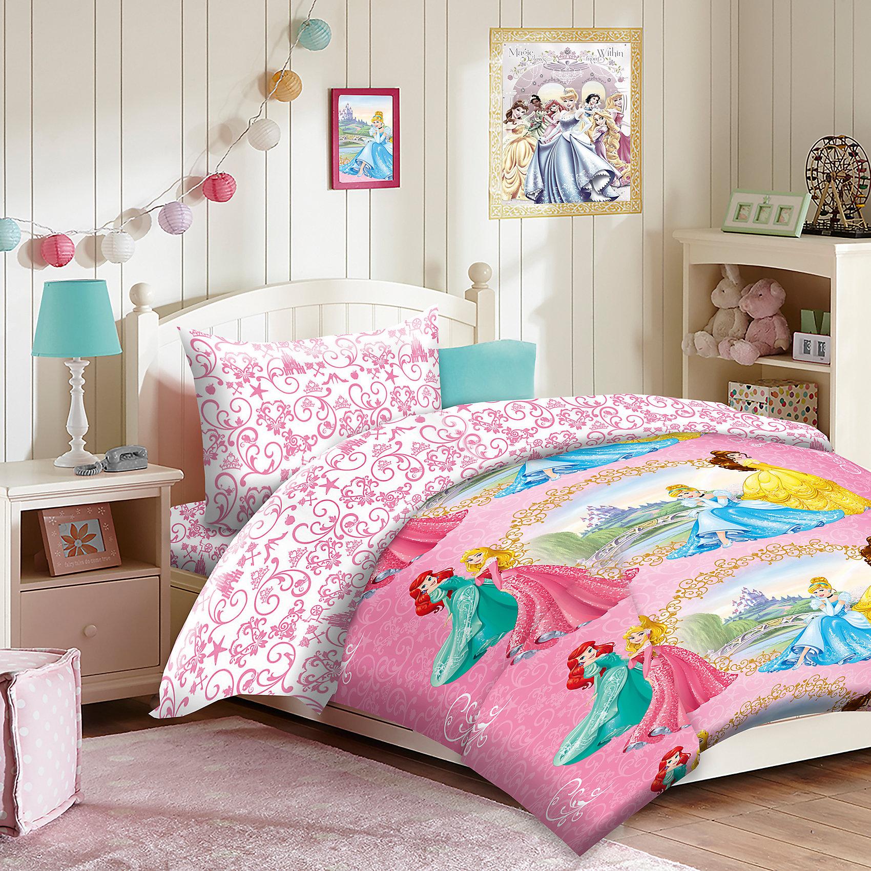 Постельное белье детское Принцессы, 50х70 см., Mona LizaMona Liza, Комплект постельного белья Принцессы<br><br>Характеристики постельного белья:<br><br>• размер: 1,5-спальное;<br>• тип переплетения: полотняное;<br>• материал: бязь;<br>• состав ткани: 100% хлопок;<br>• тип застежки: прорезь;<br>• тип упаковки: пакет ПВХ.<br><br>Размеры предметов:<br><br>• пододеяльник: 145х210 см;<br>• простынь, обычная: 150х215 см;<br>• наволочка, 1 шт.: 50х70 см.<br><br>Детское постельное белье для девочек «Принцессы» изготовлено из бязи. Данный материал обладает высокой воздухопроницаемостью, неприхотлив в уходе. Хлопковые ткани собственного производства от бренда Mona Liza изготавливаются на российских фабриках.<br><br>Постельное белье 1,5 сп. Принцессы 2016, Mona Liza можно купить в нашем интернет-магазине.<br><br>Ширина мм: 290<br>Глубина мм: 70<br>Высота мм: 370<br>Вес г: 1450<br>Возраст от месяцев: 36<br>Возраст до месяцев: 144<br>Пол: Женский<br>Возраст: Детский<br>SKU: 4915261