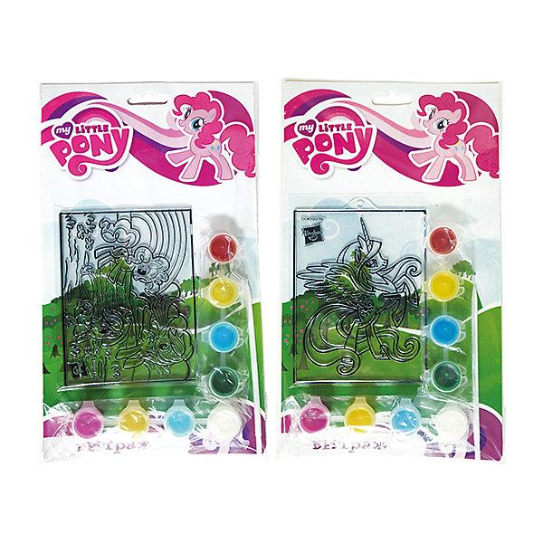 Витраж с красками и кистью, My Little Pony, в ассортиментеНаборы для раскрашивания<br>С витражным набором My Little Pony ребенок сможет создать яркую картинку с любимым персонажем. Краски легко наносятся на основу с помощью кисточки, входящей в комплект. В этом наборе есть все для развития воображения и хорошего настроения девочки!<br>Дополнительная информация:<br>-в наборе: основа, 8 баночек с краской, кисточка<br>Сказочный персонаж: My Little Pony<br>-вес: 90 грамм<br>-размер упаковки: 17х28х2 см<br>Набор My Little Pony вы можете приобрести в нашем интернет-магазине.<br>Ширина мм: 20; Глубина мм: 280; Высота мм: 170; Вес г: 90; Возраст от месяцев: 36; Возраст до месяцев: 84; Пол: Женский; Возраст: Детский; SKU: 4915463;