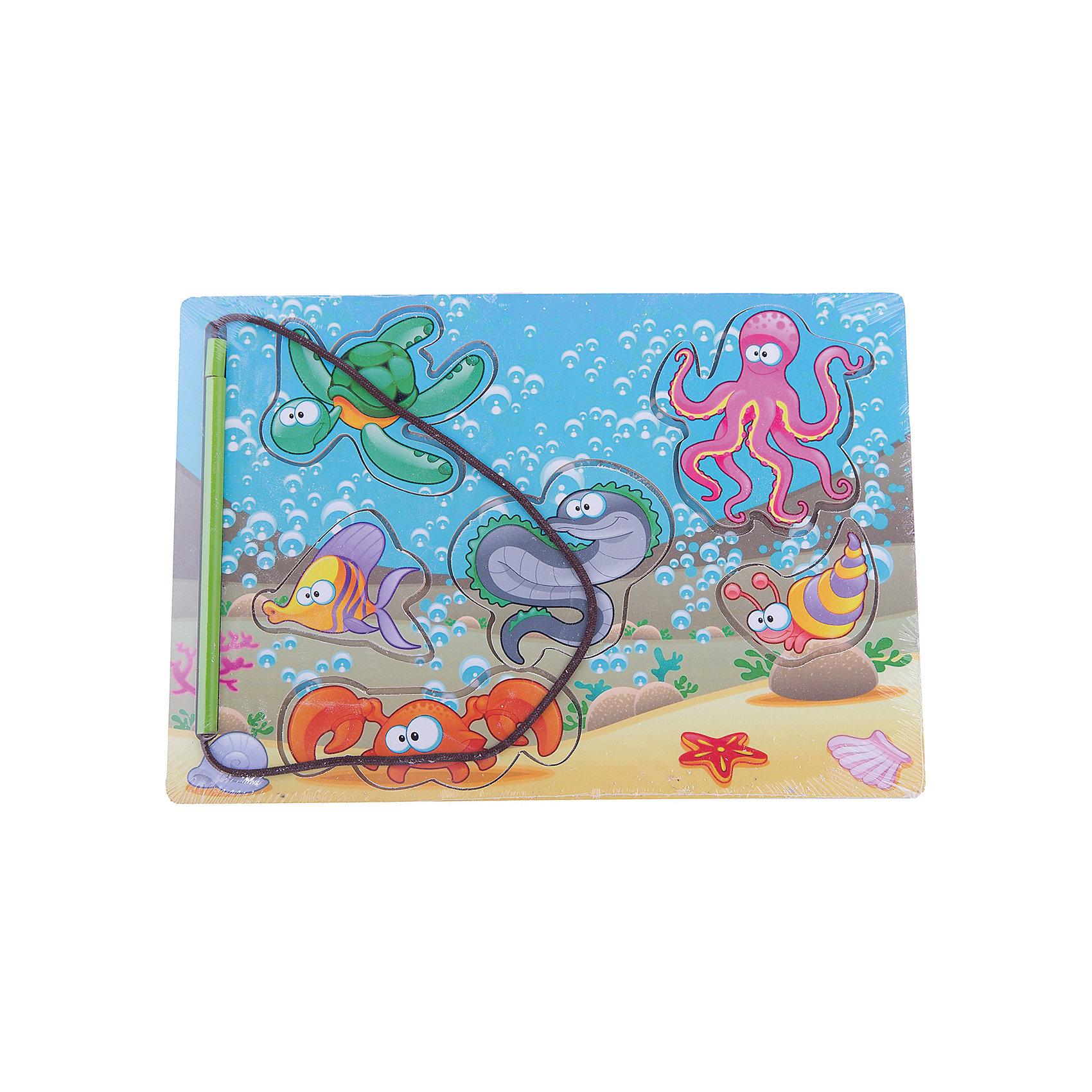 Рамка-вкладка «Магнитная рыбалка 1»Деревянные пазлы<br>Дети каждый день узнают что-то новое. Сделать процесс познавания мира для малышей - просто! Яркая обучающая рамка-вкладка «Магнитная рыбалка 1» поможет ребенку легко запомнить обитателей моры в процессе совмещения соответствующих элементов. Также к игре прилагается магнитная удочка, с помощью которой эти фигурки можно ловить!<br>Эта рамка-вкладка обязательно займет ребенка! Игра с ней помогает детям развивать мелкую моторику, внимательность и познавать мир. Обучающая игрушка сделана из качественных и безопасных для ребенка материалов - натурального дерева.<br><br>Дополнительная информация:<br><br>цвет: разноцветный;<br>размер:  28 х 19.5 х 0.8 см;<br>вес: 260 г;<br>элементов: 6;<br>материал: дерево.<br><br>Рамку-вкладку «Магнитная рыбалка 1» можно купить в нашем магазине.<br><br>Ширина мм: 280<br>Глубина мм: 7<br>Высота мм: 195<br>Вес г: 260<br>Возраст от месяцев: 36<br>Возраст до месяцев: 2147483647<br>Пол: Унисекс<br>Возраст: Детский<br>SKU: 4916395