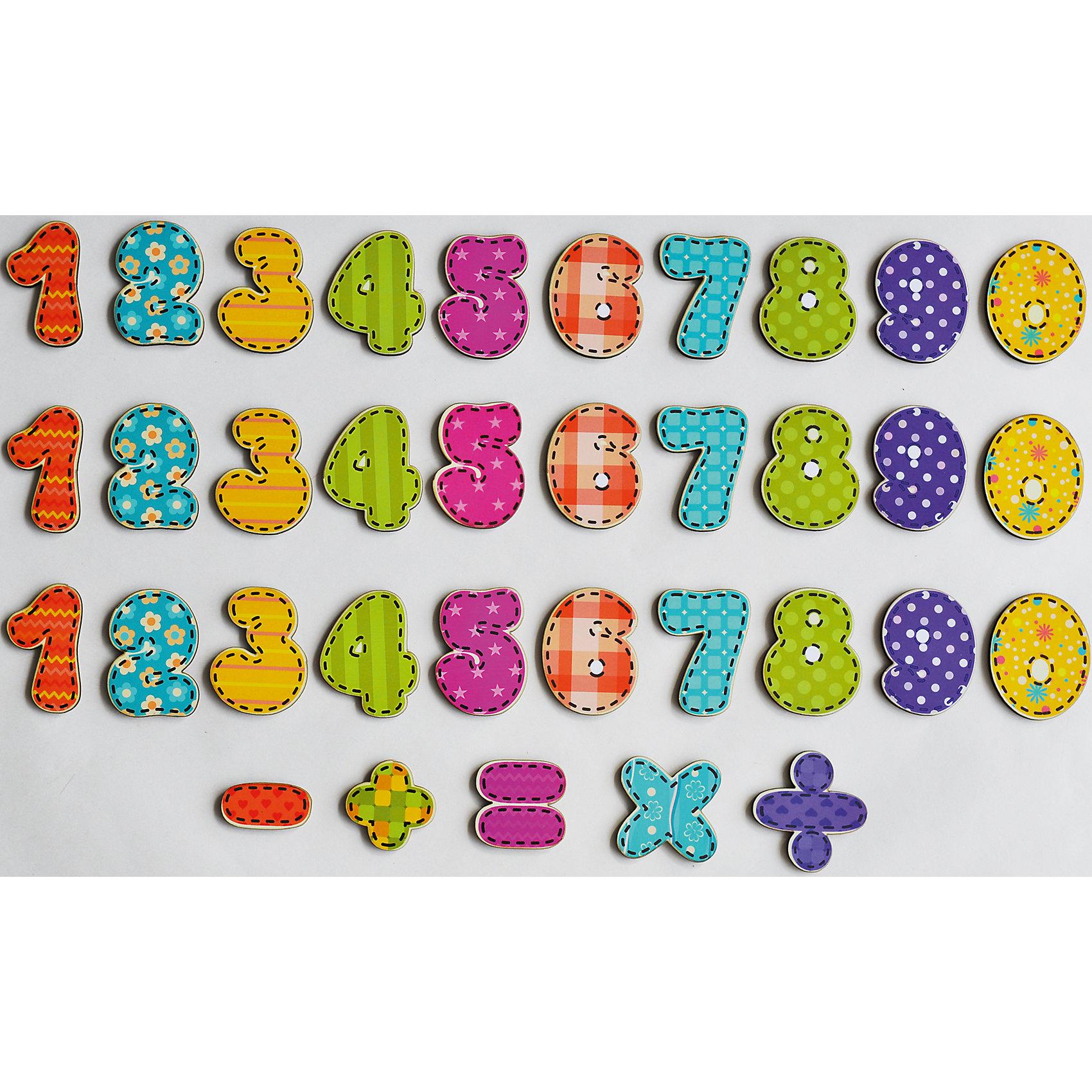 Магниты Учимся считатьСделать процесс познавания мира для малышей - просто! Яркие обучающие магниты «Учимся считать» помогут ребенку легко запомнить цифры и освоить математические операции.<br>Эти магниты легко увлекут займет ребенка! Игра с ними помогает детям развивать мелкую моторику, внимательность и познавать мир. Обучающая игрушка сделана из качественных и безопасных для ребенка материалов - натурального дерева.<br><br>Дополнительная информация:<br><br>цвет: разноцветный;<br>размер упаковки:  19 х 5 х 12 см;<br>вес: 170 г;<br>элементов: 35;<br>материал: дерево, бумага, полимер.<br><br>Магниты Учимся считать можно купить в нашем магазине.<br><br>Ширина мм: 190<br>Глубина мм: 50<br>Высота мм: 120<br>Вес г: 170<br>Возраст от месяцев: 36<br>Возраст до месяцев: 2147483647<br>Пол: Унисекс<br>Возраст: Детский<br>SKU: 4916399