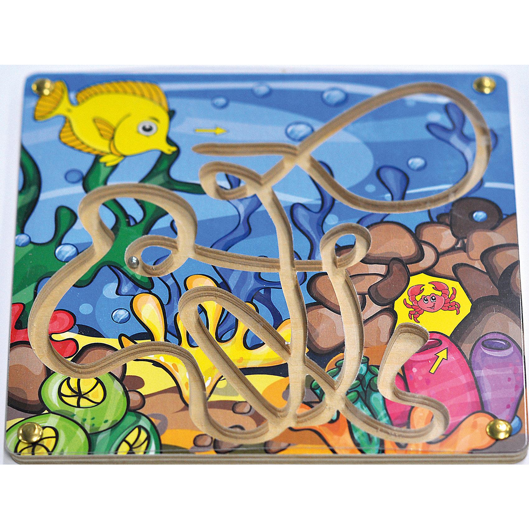 Лабиринт с шариком Рыбка и крабДеревянные игры и пазлы<br>Малыши стремятся узнавать что-то новое и учиться контактировать с окружающим пространством. Сделать процесс познавания мира для малышей - просто! Яркая игра-лабиринт Рыбка и краб поможет ребенку весело провести время, пытаясь закатить шарик на финиш.<br>Эта игра обязательно займет ребенка! Она с ней помогает детям развивать мелкую моторику, внимательность и познавать мир. Игрушка сделана из качественных и безопасных для ребенка материалов - натурального дерева.<br><br>Дополнительная информация:<br><br>цвет: разноцветный;<br>размер: 20 х 20 х 1 см;<br>вес: 180 г;<br>материал: дерево.<br><br>Лабиринт с шариком Рыбка и краб можно купить в нашем магазине.<br><br>Ширина мм: 200<br>Глубина мм: 7<br>Высота мм: 200<br>Вес г: 180<br>Возраст от месяцев: 36<br>Возраст до месяцев: 2147483647<br>Пол: Унисекс<br>Возраст: Детский<br>SKU: 4916401