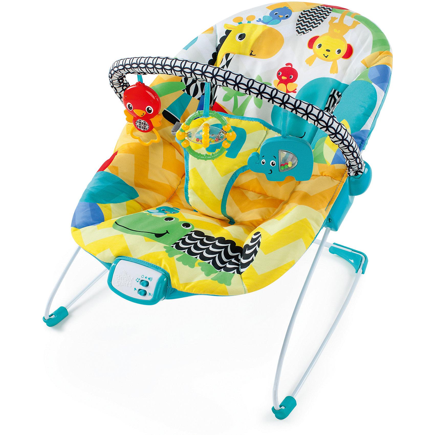 Кресло-качалка «Солнечное сафари» 2016, Bright StartsКресла-качалки<br>Яркий персонажи развлекут вашего малыша, а нежная вибрация поможет его успокоить! <br><br>Особенности<br>Сиденье  колыбельного типа дает дополнительную поддержку спинке малыша<br>Успокаивающая вибрация с 7-ю мелодиями и автоматическим отключением через 15 минут<br>3 забавные игрушки: яркая птичка, погремушка – прорезыватель, слоник с разноцветными бусинами<br>Съемная перекладина легко поворачивается для быстрого доступа к ребенку<br><br>Дополнительные характеристики<br>3-х точечный ремень безопасности<br>3 батарейки типа С<br><br>Ширина мм: 516<br>Глубина мм: 338<br>Высота мм: 84<br>Вес г: 2540<br>Возраст от месяцев: 0<br>Возраст до месяцев: 6<br>Пол: Унисекс<br>Возраст: Детский<br>SKU: 4916504