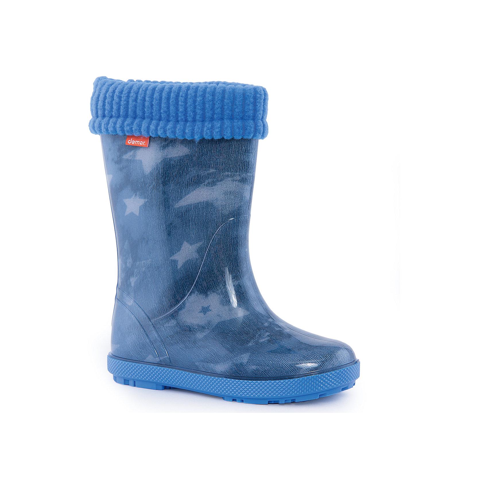 Резиновые сапоги Stormer Lux Print для мальчика DEMARРезиновые сапоги<br>Характеристики товара:<br><br>• цвет: голубой<br>• материал верха: ПВХ<br>• материал подкладки: текстиль <br>• материал подошвы: ПВХ<br>• температурный режим: от 0° до +15° С<br>• верх не продувается<br>• съемный чулок<br>• стильный дизайн<br>• страна бренда: Польша<br>• страна изготовитель: Польша<br><br>Осенью и весной ребенку не обойтись без непромокаемых сапожек! Чтобы не пропустить главные удовольствия межсезонья, нужно запастись удобной обувью. Такие сапожки обеспечат ребенку необходимый для активного отдыха комфорт, а подкладка из текстиля позволит ножкам оставаться теплыми. Сапожки легко надеваются и снимаются, отлично сидят на ноге. Они удивительно легкие!<br>Обувь от польского бренда Demar - это качественные товары, созданные с применением новейших технологий и с использованием как натуральных, так и высокотехнологичных материалов. Обувь отличается стильным дизайном и продуманной конструкцией. Изделие производится из качественных и проверенных материалов, которые безопасны для детей.<br><br>Сапожки от бренда Demar (Демар) можно купить в нашем интернет-магазине.<br><br>Ширина мм: 257<br>Глубина мм: 180<br>Высота мм: 130<br>Вес г: 420<br>Цвет: синий<br>Возраст от месяцев: 84<br>Возраст до месяцев: 96<br>Пол: Мужской<br>Возраст: Детский<br>Размер: 30/31,32/33,28/29<br>SKU: 4916631