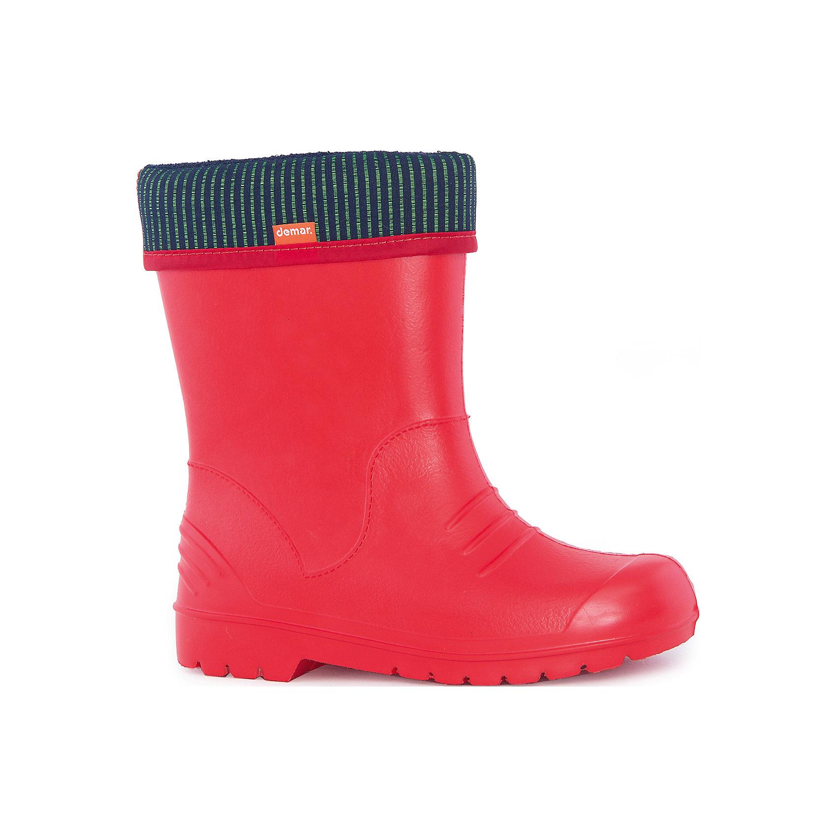 Сапоги Dino для девочки DEMARХарактеристики товара:<br><br>• цвет: красный<br>• материал верха: ЭВА<br>• материал подкладки: текстиль <br>• материал подошвы: ЭВА<br>• температурный режим: от 0° до +15° С<br>• верх не продувается<br>• съемный чулок<br>• стильный дизайн<br>• страна бренда: Польша<br>• страна изготовитель: Польша<br><br>Осенью и весной ребенку не обойтись без непромокаемых сапожек! Чтобы не пропустить главные удовольствия межсезонья, нужно запастись удобной обувью. Такие сапожки обеспечат ребенку необходимый для активного отдыха комфорт, а подкладка из текстиля позволит ножкам оставаться теплыми. Сапожки легко надеваются и снимаются, отлично сидят на ноге. Они удивительно легкие!<br>Обувь от польского бренда Demar - это качественные товары, созданные с применением новейших технологий и с использованием как натуральных, так и высокотехнологичных материалов. Обувь отличается стильным дизайном и продуманной конструкцией. Изделие производится из качественных и проверенных материалов, которые безопасны для детей.<br><br>Сапожки от бренда Demar (Демар) можно купить в нашем интернет-магазине.<br><br>Ширина мм: 257<br>Глубина мм: 180<br>Высота мм: 130<br>Вес г: 420<br>Цвет: красный<br>Возраст от месяцев: 84<br>Возраст до месяцев: 96<br>Пол: Женский<br>Возраст: Детский<br>Размер: 30/31,28/29,26/27,22/23,34/35,24/25,32/33<br>SKU: 4916649