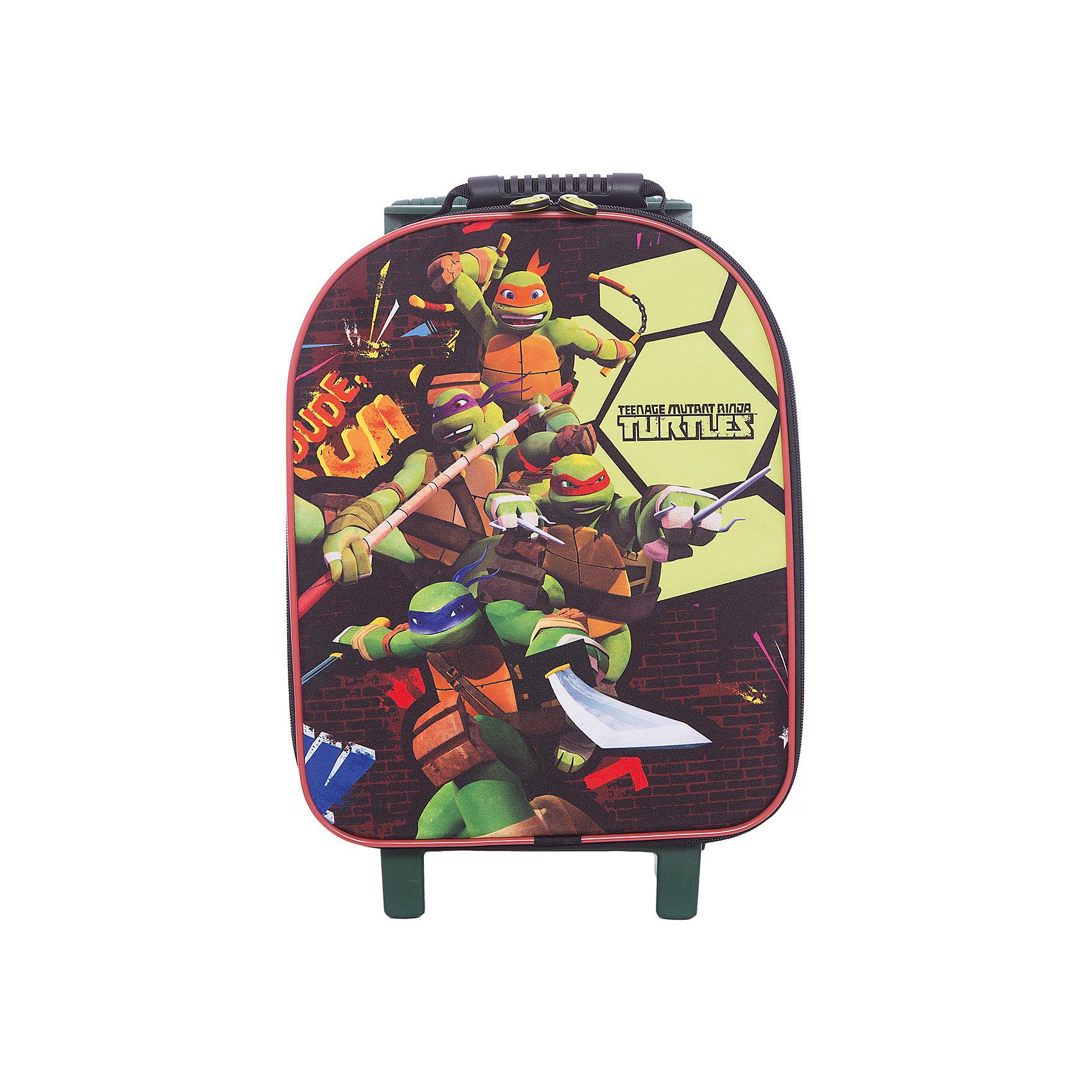 Сумка на колесах Черепашки-ниндзяСобственный чемодан поможет ребенку почувствовать себя совсем как взрослые! Героев мультфильма Черепашки-ниндзя обожает большинство современных мальчишек, поэтому чемодан с их изображением станет желанным подарком для ребенка. Это изделие отлично сшито. Материал - прочный, износостойкий в водонепроницаемый. <br>Удобную ручку можно регулировать. В чемодане есть большое отделение на молнии. Это вместительная и симпатичная модель, обеспечивающая ребенку комфорт. Чемодан произведен из качественных материалов, безопасных для ребенка.<br><br>Дополнительная информация:<br><br>цвет: зеленый;<br>материал: текстиль, металл, пластик;<br>размер: 40 х 32 х 16 см;<br>вес: 2 кг.<br><br>Сумку дна колесах Черепашки-ниндзя от компании Gulliver можно купить в нашем магазине.<br><br>Ширина мм: 310<br>Глубина мм: 200<br>Высота мм: 470<br>Вес г: 2550<br>Возраст от месяцев: 36<br>Возраст до месяцев: 2147483647<br>Пол: Унисекс<br>Возраст: Детский<br>SKU: 4918581
