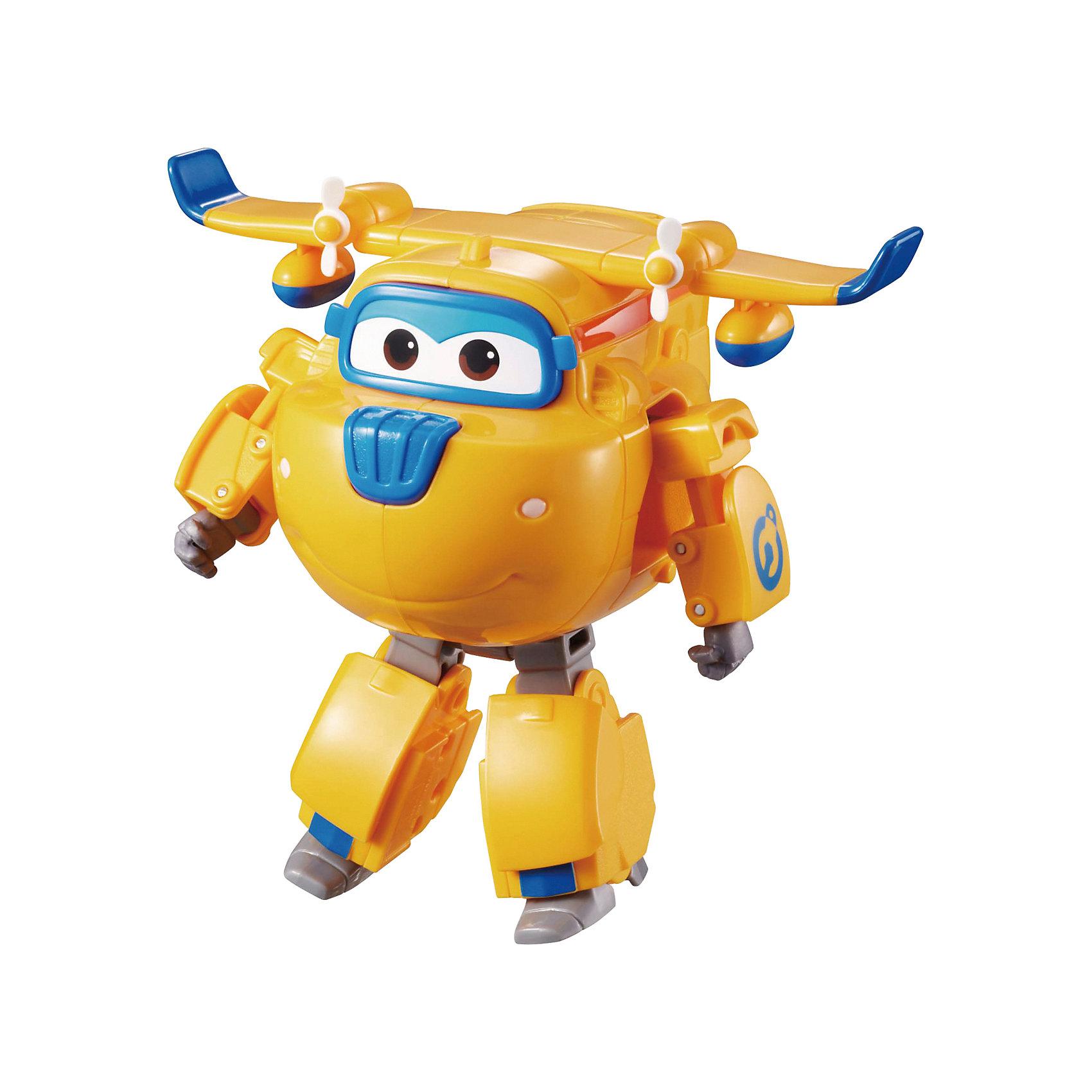 Трансформер Донни, Супер КрыльяКакой ребенок не любит самолеты!? Сделать игру ярче и увлекательнее поможет герой популярного мультфильма Супер Крылья, любимого детьми. Игрушка всего за несколько мгновений трансформируется из самолета в робота. К нему можно также фигурки-трансформеры заказать друзей из этого мультфильма! Компактный размер позволит ребенку брать игрушку с собой в гости или на прогулку.                <br>Этот трансформер обязательно порадует ребенка! Игры с ним также помогают детям развивать воображение, логику, мелкую моторику и творческое мышление. Самолет сделан из качественных и безопасных для ребенка материалов.<br><br>Дополнительная информация:<br><br>цвет: разноцветный;<br>размер упаковки: 13 х 16 х 7 см;<br>вес: 400 г;<br>материал: пластик.<br><br>Игрушку Трансформер Донни можно купить в нашем магазине.<br><br>Ширина мм: 130<br>Глубина мм: 160<br>Высота мм: 70<br>Вес г: 400<br>Возраст от месяцев: 36<br>Возраст до месяцев: 2147483647<br>Пол: Мужской<br>Возраст: Детский<br>SKU: 4918780