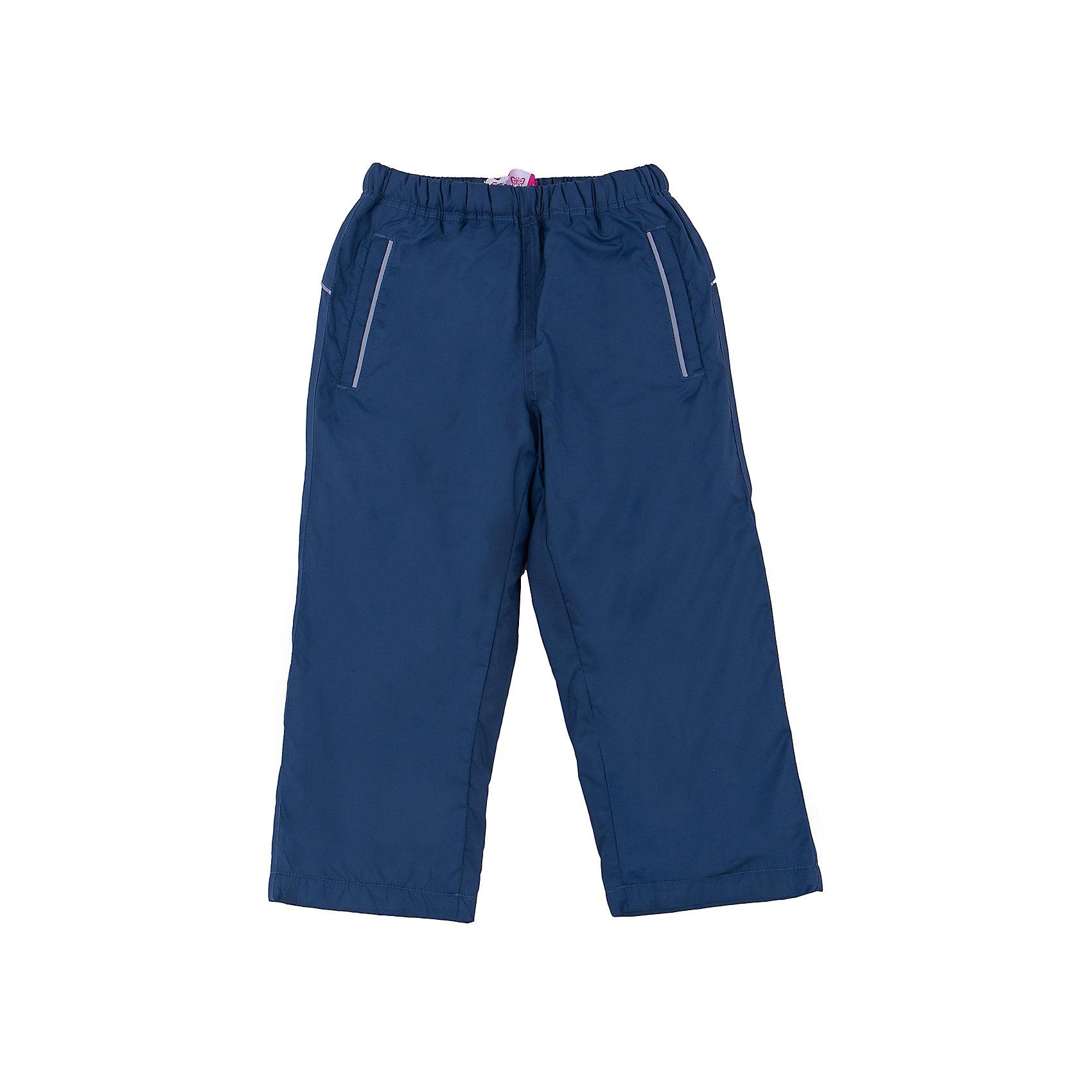 Брюки для девочки SELAСпортивная одежда<br>Спортивные брюки - незаменимая вещь в детском гардеробе. Эта модель отлично сидит на ребенке, она сшита из лекгкого материала, который обеспечивает ребенку комфорт. Модель станет отличной базовой вещью, которая будет уместна в различных сочетаниях.<br>Одежда от бренда Sela (Села) - это качество по приемлемым ценам. Многие российские родители уже оценили преимущества продукции этой компании и всё чаще приобретают одежду и аксессуары Sela.<br><br>Дополнительная информация:<br><br>материал: 100% ПЭ; подкладка:100% ПЭ;<br>удобная посадка;<br>резинка в поясе.<br><br>Брюки для девочки от бренда Sela можно купить в нашем интернет-магазине.<br><br>Ширина мм: 215<br>Глубина мм: 88<br>Высота мм: 191<br>Вес г: 336<br>Цвет: синий<br>Возраст от месяцев: 18<br>Возраст до месяцев: 24<br>Пол: Женский<br>Возраст: Детский<br>Размер: 92,116,98,104,110<br>SKU: 4919357