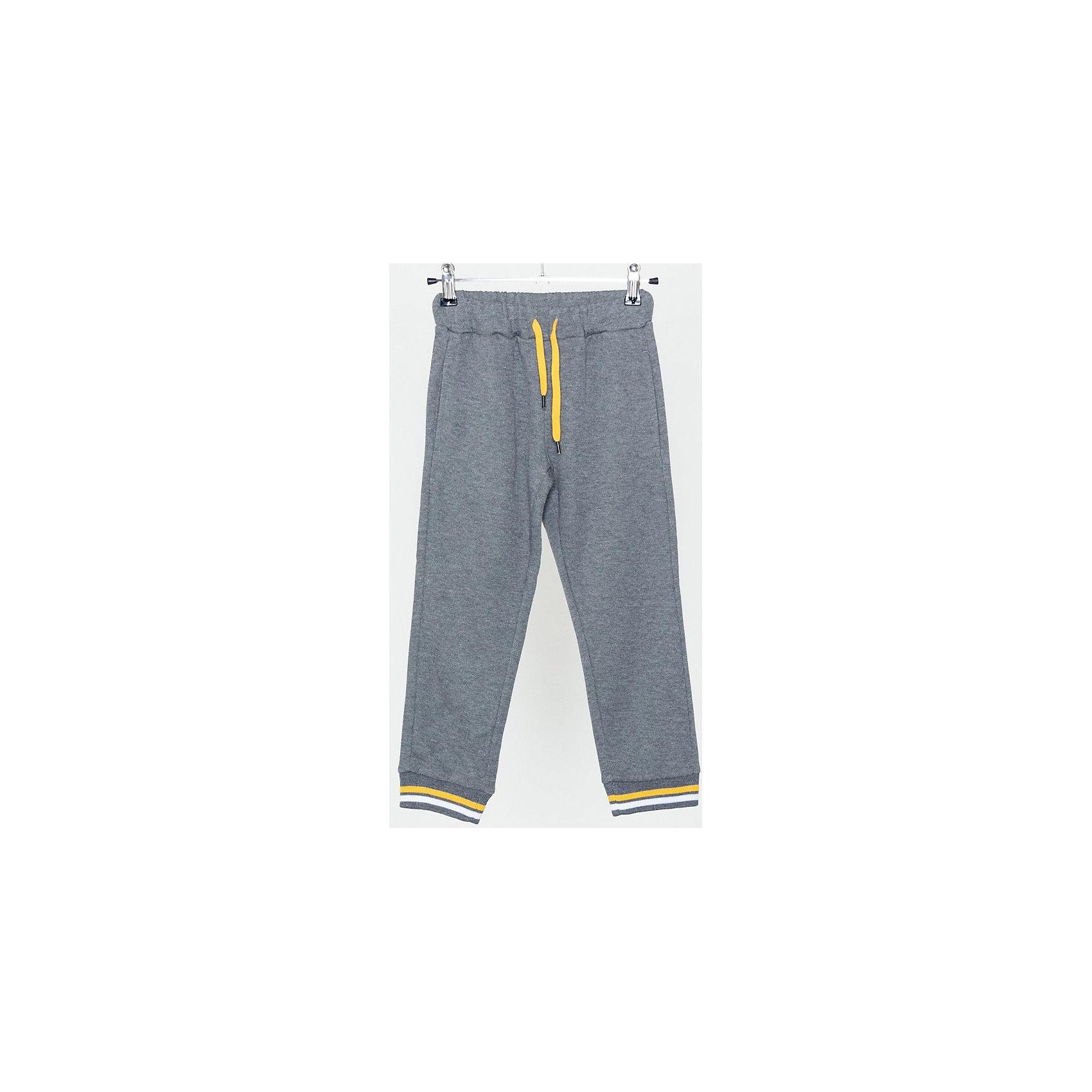 Брюки для мальчика SELAБрюки<br>Спортивные брюки - незаменимая вещь в детском гардеробе. Эта модель отлично сидит на ребенке, она сшита из приятного на ощупь материала, который обеспечивает ребенку комфорт. Модель станет отличной базовой вещью, которая будет уместна в различных сочетаниях.<br>Одежда от бренда Sela (Села) - это качество по приемлемым ценам. Многие российские родители уже оценили преимущества продукции этой компании и всё чаще приобретают одежду и аксессуары Sela.<br><br>Дополнительная информация:<br><br>материал: 80% хлопок, 20% ПЭ;<br>удобная посадка;<br>резинка и шнурок в поясе.<br><br>Брюки для мальчика от бренда Sela можно купить в нашем интернет-магазине.<br><br>Ширина мм: 215<br>Глубина мм: 88<br>Высота мм: 191<br>Вес г: 336<br>Цвет: серый<br>Возраст от месяцев: 24<br>Возраст до месяцев: 36<br>Пол: Мужской<br>Возраст: Детский<br>Размер: 98,116,92,104,110<br>SKU: 4919480