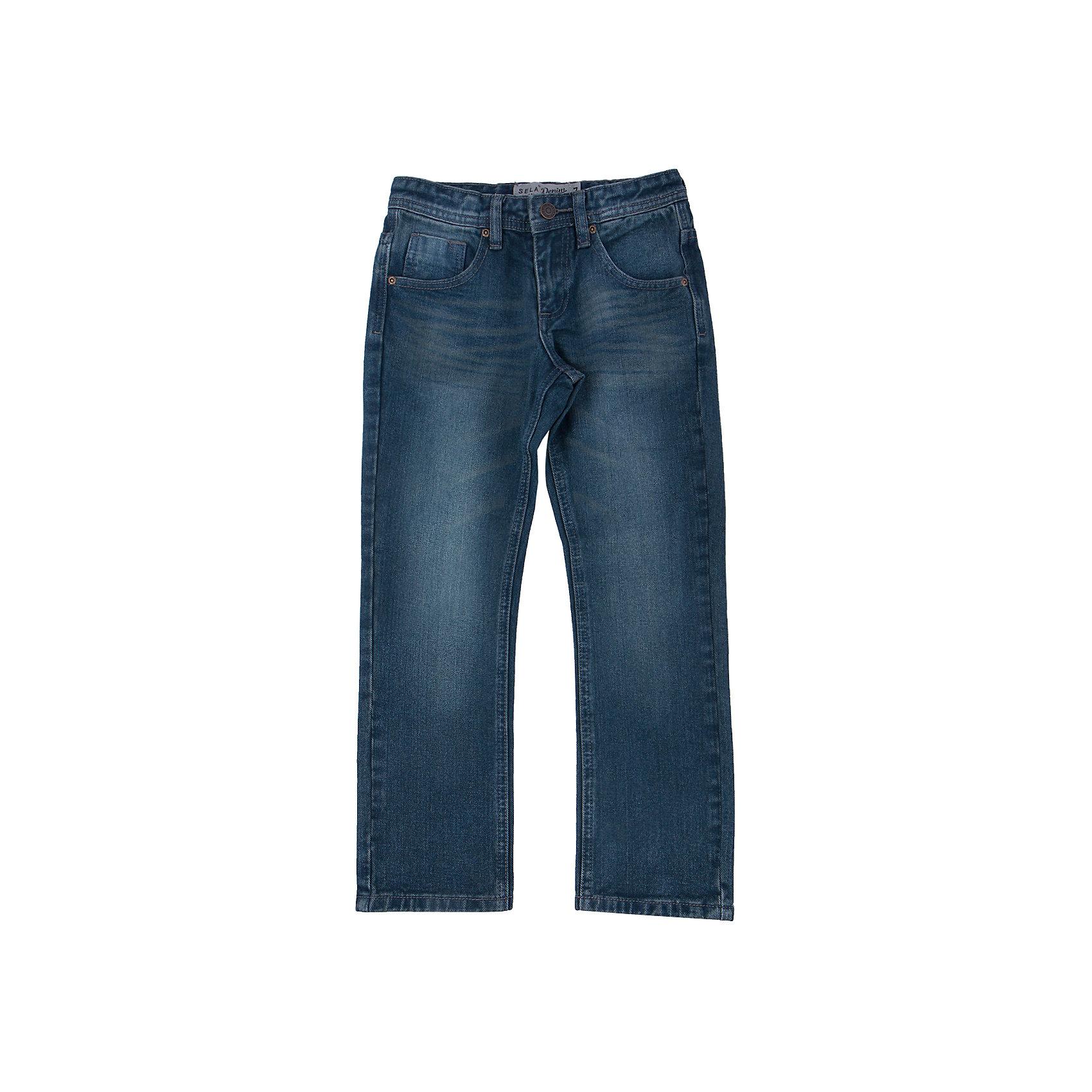 Джинсы для мальчика SELAДжинсовая одежда<br>Джинсы - незаменимая вещь в детском гардеробе. Эта модель отлично сидит на ребенке, она сшита из плотного материала, натуральный хлопок не вызывает аллергии и обеспечивает ребенку комфорт. Модель станет отличной базовой вещью, которая будет уместна в различных сочетаниях.<br>Одежда от бренда Sela (Села) - это качество по приемлемым ценам. Многие российские родители уже оценили преимущества продукции этой компании и всё чаще приобретают одежду и аксессуары Sela.<br><br>Дополнительная информация:<br><br>прямой силуэт;<br>материал: 100 % хлопок;<br>плотный материал.<br><br>Джинсы для мальчика от бренда Sela можно купить в нашем интернет-магазине.<br><br>Ширина мм: 215<br>Глубина мм: 88<br>Высота мм: 191<br>Вес г: 336<br>Цвет: зеленый<br>Возраст от месяцев: 120<br>Возраст до месяцев: 132<br>Пол: Мужской<br>Возраст: Детский<br>Размер: 146,152,128,122,134,140<br>SKU: 4919576