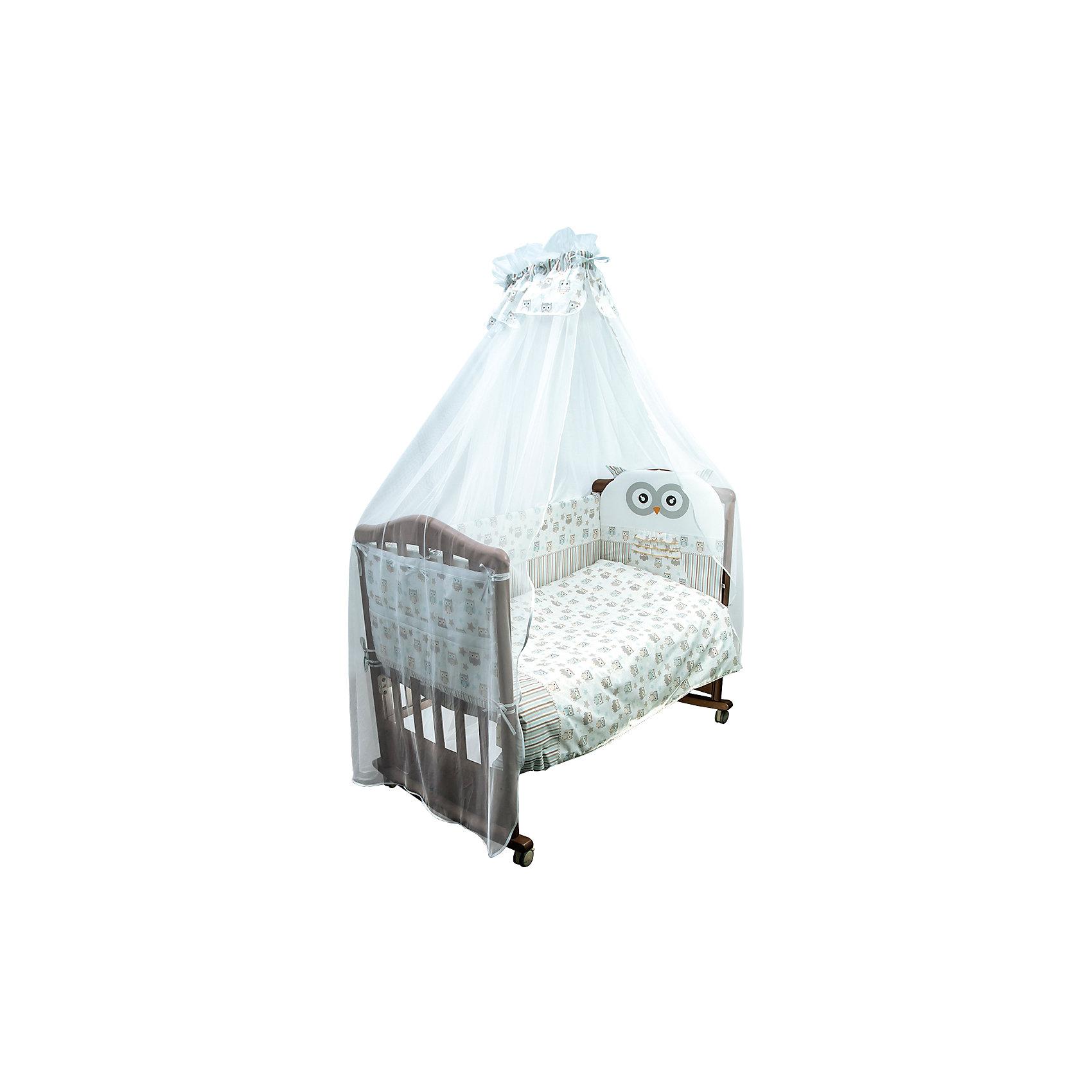 Постельное белье Софушки 7 пред + подарок, Сонный гномикПостельное белье Совушки 7 предм.+подарок, Сонный гномик состоит из постельных принадлежностей, необходимых для детской кроватки: одеяло, подушка, простынь, пододеяльник, наволочка, бортики и балдахин. Комплект подходит для кроваток любого типа стандартного размера 120*60 см. Все изделия комплекта выполнены из бязи высокого качества, которая сохраняет длительное время цвет и форму даже при частых стирках. Кроме того, бязь является экологически безопасным материалом, что делает ее незаменимой для изготовления постельного белья для детей всех возрастов.  В одеяле и подушке в качестве наполнителя использован холлофайбер, который обладает высокой воздухопроницаемостью, водоотталкивающими и гипоаллергенными свойствами. Бортик для кроватки состоит из четырех частей, которые крепятся за счет завязок. Балдахин выполнен из тончайшей сетки. Комплект выполнен в нежно бежевом цвете, украшен принтом из совят. В качестве подарка к комплекту прилагается карман на кроватку, выполненный в том же стиле, что и весь комплект. Карман состоит из 6-ти отделений, к бортику кроватки крепится за счет завязок.<br>Постельное белье Совушки 7 предм.+подарок, Сонный гномик обеспечит ребенку крепкий, здоровый и безопасный сон. <br><br>Дополнительная информация:<br><br>- Предназначение: для детской кроватки<br>- Комплектация: одеяло и пододеяльник (110*140 см), подушка и наволочка (40*60 см), простынь (100*140 см), бортики из четырех частей и балдахин (4 м), карман на кроватку<br>- Материал: бязь, полиэстер (балдахин)<br>- Наполнитель: холлофайбер<br>- Пол: для мальчика/для девочки<br>- Цвет: бежевый, голубой, белый, серый<br>- Размеры упаковки (Д*Ш*В): 65*20*50 см<br>- Вес: 3 кг 300 г<br>- Особенности ухода: разрешается стирка при температуре не более 40 градусов<br><br>Подробнее:<br><br>• Для детей в возрасте от 0 месяцев и до 4 лет<br>• Страна производитель: Россия<br>• Торговый бренд: Leader kids<br><br>Постельное белье Совушки 7 предм.+по