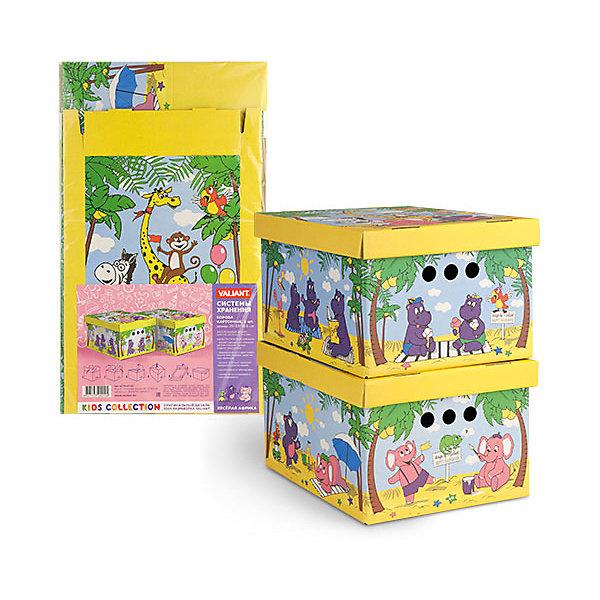Короб картонный складной Веселая Африка, 2 шт, малыйЯщики для игрушек<br>Короб картонный складной Веселая Африка, 2 шт, малый  – яркое и красивое решение проблемы хранения вещей. <br>В комплект входят две большие коробки с ярким дизайном. Идеально вписываются в детскую благодаря красочным рисункам. Сделаны из экологичного материала, поэтому полностью безопасны для детей. Прочная конструкция легко собирается. Подходят для хранения одежды, аксессуаров, игрушек и т.д. С двух сторон есть ручки для удобного переноса коробок. Крышка сверху прячет вещи от пыли и грязи. <br><br>Дополнительная информация: <br><br>- 2 штуки<br>- размер: 25х33х18.5 см<br>- материал: гофрокартон<br><br>Короб картонный складной Веселая Африка, 2 шт, малый можно купить в нашем интернет магазине.<br>Ширина мм: 250; Глубина мм: 330; Высота мм: 185; Вес г: 425; Возраст от месяцев: 36; Возраст до месяцев: 144; Пол: Унисекс; Возраст: Детский; SKU: 4923429;