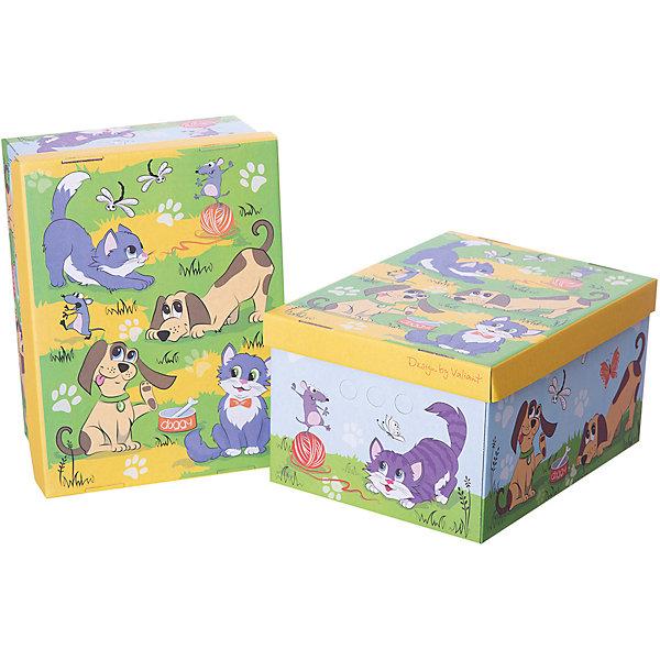 Короб картонный складной Киски-собачки, 2 шт, малыйЯщики для игрушек<br>Короб картонный складной Киски-собачки, 2 шт, малый – яркое и красивое решение проблемы хранения вещей. <br>В комплект входят две большие коробки с ярким дизайном. Идеально вписываются в детскую благодаря красочным рисункам. Сделаны из экологичного материала, поэтому полностью безопасны для детей. Прочная конструкция легко собирается. Подходят для хранения одежды, аксессуаров, игрушек и т.д. С двух сторон есть ручки для удобного переноса коробок. Крышка сверху прячет вещи от пыли и грязи. <br><br>Дополнительная информация: <br><br>- 2 штуки<br>- размер: 25х33х18.5 см<br>- материал: гофрокартон<br><br>Короб картонный складной Киски-собачки, 2 шт, малый можно купить в нашем интернет магазине.<br><br>Ширина мм: 250<br>Глубина мм: 330<br>Высота мм: 185<br>Вес г: 425<br>Возраст от месяцев: 36<br>Возраст до месяцев: 144<br>Пол: Унисекс<br>Возраст: Детский<br>SKU: 4923431