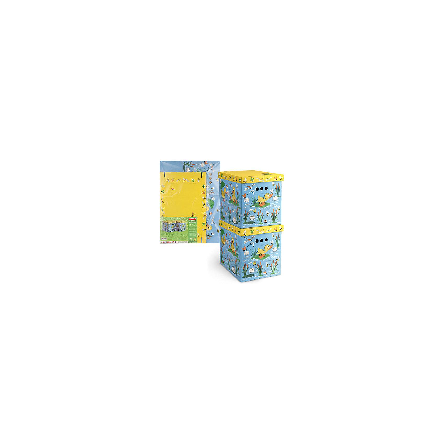Короб картонный складной Утята-лягушата, 2 шт, большойПредметы интерьера<br>Короб картонный складной Утята-лягушата, 2 шт, большой – яркое и красивое решение проблемы хранения вещей. <br>В комплект входят две большие коробки с ярким дизайном. Идеально вписываются в детскую благодаря красочным рисункам. Сделаны из экологичного материала, поэтому полностью безопасны для детей. Прочная конструкция легко собирается. Подходят для хранения книг, игрушек, одежды, обуви и других вещей. С двух сторон есть ручки для удобного переноса коробок. Крышка сверху прячет вещи от пыли и грязи. <br><br>Дополнительная информация: <br><br>- 2 штуки<br>- размер: 28х38х31.5 см<br>- материал: гофрокартон<br><br>Короб картонный складной Утята-лягушата, 2 шт, большой можно купить в нашем интернет магазине.<br><br>Ширина мм: 280<br>Глубина мм: 380<br>Высота мм: 315<br>Вес г: 630<br>Возраст от месяцев: 36<br>Возраст до месяцев: 144<br>Пол: Унисекс<br>Возраст: Детский<br>SKU: 4923432
