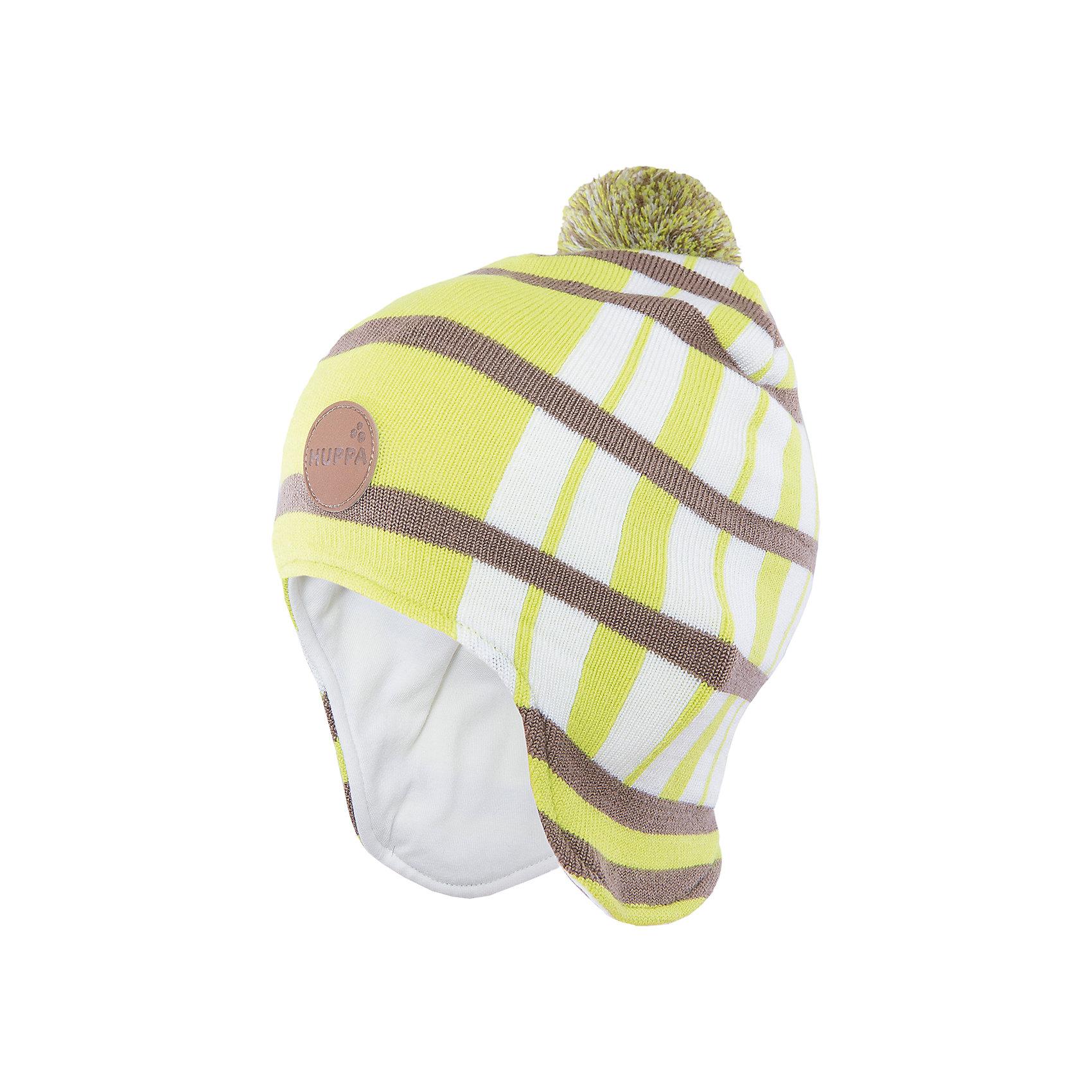 Шапка Windy HuppaУдлиненная вязаная шапка Windy от Huppa(Хуппа) изготовлена из шерсти мериноса и акрила. Она отлично сохраняет тепло, надежно закрывает уши и не вызывает раздражения на коже, благодаря подкладке из хлопка. Шапка имеет рисунок с полосками, помпон и эмблему фирмы спереди. В этой шапочке ребенку несомненно будет очень тепло и комфортно!<br><br>Дополнительная информация:<br>Цвет: салатовый<br>Материал:  100% полиэстер<br>Подкладка: трикотаж - 100% хлопок<br><br>Шапку Huppa(Хуппа) вы можете приобрести в нашем интернет-магазине.<br><br>Ширина мм: 89<br>Глубина мм: 117<br>Высота мм: 44<br>Вес г: 155<br>Цвет: зеленый<br>Возраст от месяцев: 12<br>Возраст до месяцев: 24<br>Пол: Мужской<br>Возраст: Детский<br>Размер: 47-49,55-57,51-53<br>SKU: 4923545