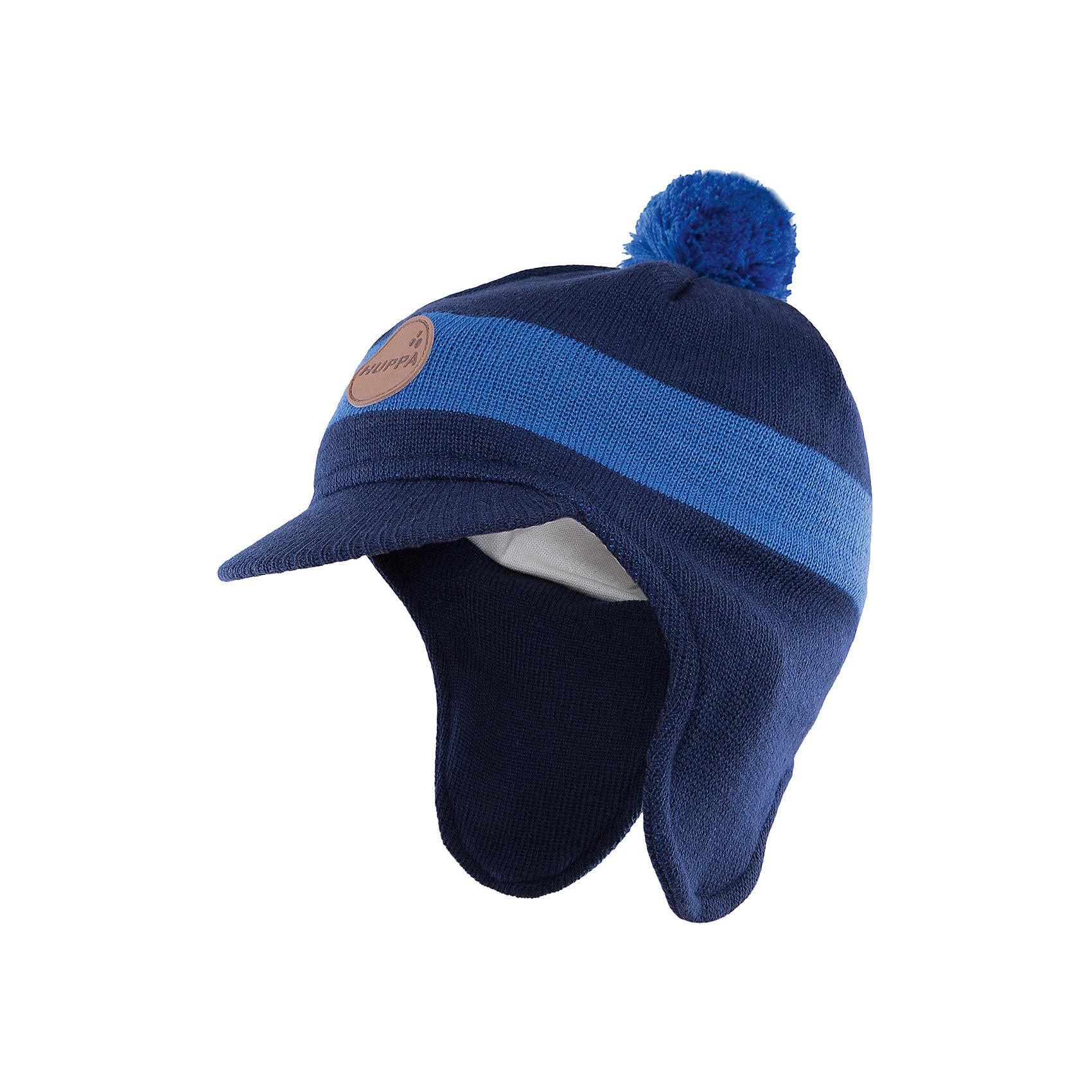 Шапка  HuppaДемисезонные<br>Шапка Peak с козырьком от Huppa(Хуппа) надежно сохранит тепло для вашего ребенка. Она изготовлена из шерсти и акрила, с подкладкой из натурального хлопка. Удлиненные бока и козырек защитят малыша от мороза и ветра. Шапка украшена помпоном и эмблемой фирмы. Прекрасно подойдет для холодной погоды.<br><br>Дополнительная информация:<br>Цвет: синий/темно-синий<br>Материал: 30% шерсть мериноса, 70% акрил<br>Подкладка: 100% хлопок<br><br>Шапку с козырьком Huppa(Хуппа) вы можете купить в нашем интернет-магазине.<br><br>Ширина мм: 89<br>Глубина мм: 117<br>Высота мм: 44<br>Вес г: 155<br>Цвет: синий<br>Возраст от месяцев: 12<br>Возраст до месяцев: 24<br>Пол: Мужской<br>Возраст: Детский<br>Размер: 47-49,55-57,51-53<br>SKU: 4923561