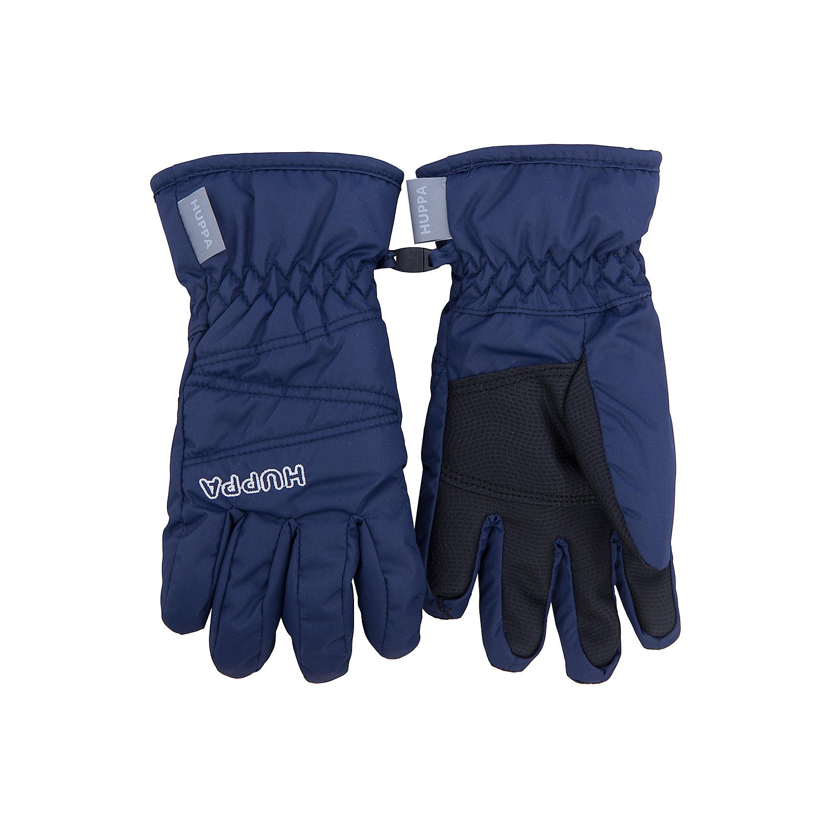 Перчатки    HuppaПерчатки, варежки<br>Классические зимние перчатки KERAN Huppa(Хуппа).<br><br>Утеплитель: 100% полиэстер, 90 гр.<br><br>Температурный режим: до -20 градусов. Степень утепления – средняя. <br><br>* Температурный режим указан приблизительно — необходимо, прежде всего, ориентироваться на ощущения ребенка. Температурный режим работает в случае соблюдения правила многослойности – использования флисовой поддевы и термобелья.<br><br>С подкладкой из полиэстера имеют водоотталкивающую поверхность, обеспечивающую тепло и сухость рук. На запястьях есть резинка, позволяющая перчаткам надежно держаться на руках. Украшены вышивкой HUPPA. Такие перчатки отлично подойдут для зимних прогулок.<br><br>Дополнительная информация:<br>Цвет: темно-синий<br>Материал: 100% полиэстер<br>Подкладка: pritex, 100% полиэстер<br><br>Перчатки KERAN Huppa(Хуппа) можно купить в нашем интернет-магазине.<br><br>Ширина мм: 162<br>Глубина мм: 171<br>Высота мм: 55<br>Вес г: 119<br>Цвет: синий<br>Возраст от месяцев: 108<br>Возраст до месяцев: 156<br>Пол: Унисекс<br>Возраст: Детский<br>Размер: 8,3,4,5,6,7<br>SKU: 4923761