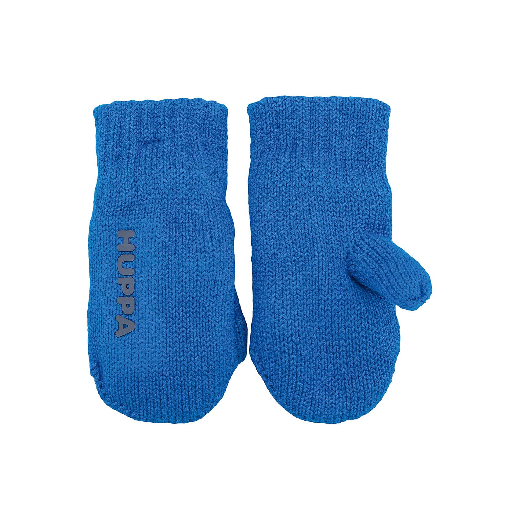 Варежки Huppa OlvinПерчатки, варежки<br>Характеристики товара:<br><br>• модель: Olvin;<br>• цвет: голубой;<br>• состав: 55% полиэстер, 20% акрил, 20% нейлон, 5% шерсть; <br>• подкладка: 100% полиэстер, флис;<br>• без дополнительного утепления;<br>• сезон: зима;<br>• температурный режим: от 0°С до -20°С;<br>• особенности: вязаные, на подкладке;<br>• светоотражающие надпись;<br>• страна бренда: Финляндия;<br>• страна изготовитель: Эстония.<br><br>Вязаные варежки на флисовой подкладке. Отлично подойдут в морозную погоду. <br><br>Варежки Huppa Olvin (Хуппа) можно купить в нашем интернет-магазине.<br><br>Ширина мм: 162<br>Глубина мм: 171<br>Высота мм: 55<br>Вес г: 119<br>Цвет: синий<br>Возраст от месяцев: 3<br>Возраст до месяцев: 12<br>Пол: Унисекс<br>Возраст: Детский<br>Размер: 1,5,4,3,2<br>SKU: 4923768