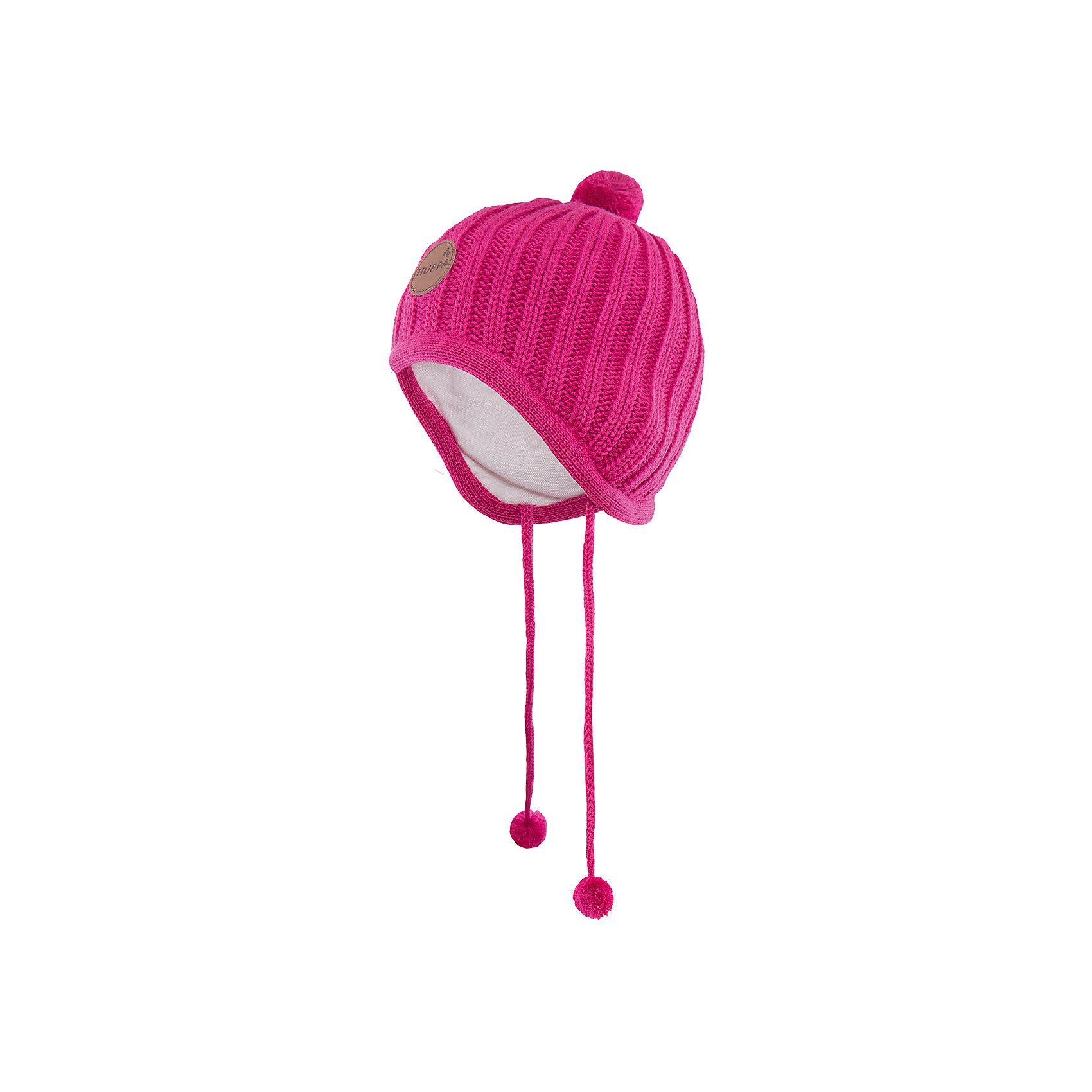 Шапка  HuppaВязаная шапка JAKOB Huppa(Хуппа) с подкладкой из хлопка изготовлена из мериносовой шерсти и акрила. Шапку удобно носить, благодаря вязке резинкой.  С помощью лент с помпонами вы сможете завязать шапку, чтобы уши ребенка оставались в тепле. Модель украшена помпонами и эмблемой марки.<br><br>Дополнительная информация:<br>Материал: 100% акрил<br>Подкладка: 100% хлопок<br>Цвет: фуксия<br><br>Вы можете приобрести шапку JAKOB Huppa(Хуппа) в нашем интернет-магазине.<br><br>Ширина мм: 89<br>Глубина мм: 117<br>Высота мм: 44<br>Вес г: 155<br>Цвет: розовый<br>Возраст от месяцев: 36<br>Возраст до месяцев: 72<br>Пол: Унисекс<br>Возраст: Детский<br>Размер: 51-53,43-45,39-43,47-49<br>SKU: 4923812