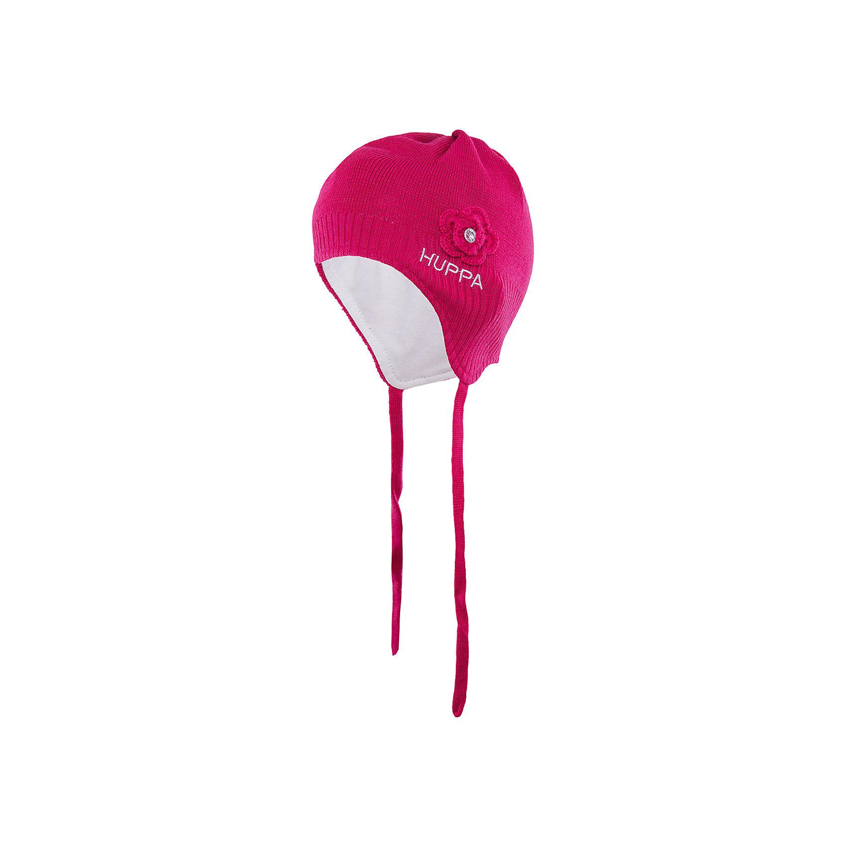 Шапка для девочки HuppaВязаная шапка LOORA Huppa(Хуппа) изготовлена из акрила с подкладкой из хлопка. Она отлично согреет девочку и защитит уши от ветра. Шапка имеет завязки и широкую резинку для более надежной фиксации. Модель украшена декоративным цветком со стразой. Прекрасны выбор для юных модниц!<br><br>Дополнительная информация:<br>Материал: 50% шерсть мериноса, 50% акрил<br>Подкладка: хлопок<br>Цвет: фуксия<br><br>Вы можете приобрести шапку LOORA Huppa(Хуппа) в нашем интернет-магазине.<br><br>Ширина мм: 89<br>Глубина мм: 117<br>Высота мм: 44<br>Вес г: 155<br>Цвет: розовый<br>Возраст от месяцев: 9<br>Возраст до месяцев: 12<br>Пол: Женский<br>Возраст: Детский<br>Размер: 43-45,51-53,47-49<br>SKU: 4923842