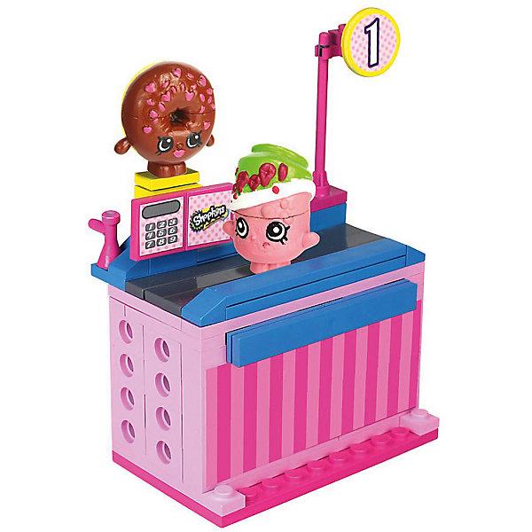 Конструктор «Магазин» Пончик Д'лиш и Сода Попс, ShopkinsПластмассовые конструкторы<br>Любителей конструкторов и мультфильма Shopkins приведет в восторг этот набор - с помощью него можно придумывать множество сюжетов игр с обожаемыми героями. Набор состоит из 62 деталей, из них можно сконструировать кассу. Также в нем есть 2 мини-фигурки – Пончик Д'лиш и Сода Попс. Они состоят из трех частей. Этот набор можно использовать в играх с другими конструкторами от Shopkins Kinstructions от The Bridge Direct и Lego. Набор произведен из высококачественных материалов и соответствует стандартам безопасности. Конструктор дополнен специальными наклейками, с помощью которых постройки можно украшать!<br><br>Дополнительная информация:<br><br>цвет: разноцветный;<br>материал: пластик;<br>деталей: 62 шт;<br>фигурок: 2 шт.<br><br>Конструктор «Магазин» Пончик Д'лиш и Сода Попс, Shopkins можно купить в нашем магазине.<br><br>Ширина мм: 38<br>Глубина мм: 127<br>Высота мм: 178<br>Вес г: 180<br>Возраст от месяцев: 72<br>Возраст до месяцев: 120<br>Пол: Женский<br>Возраст: Детский<br>SKU: 4924448