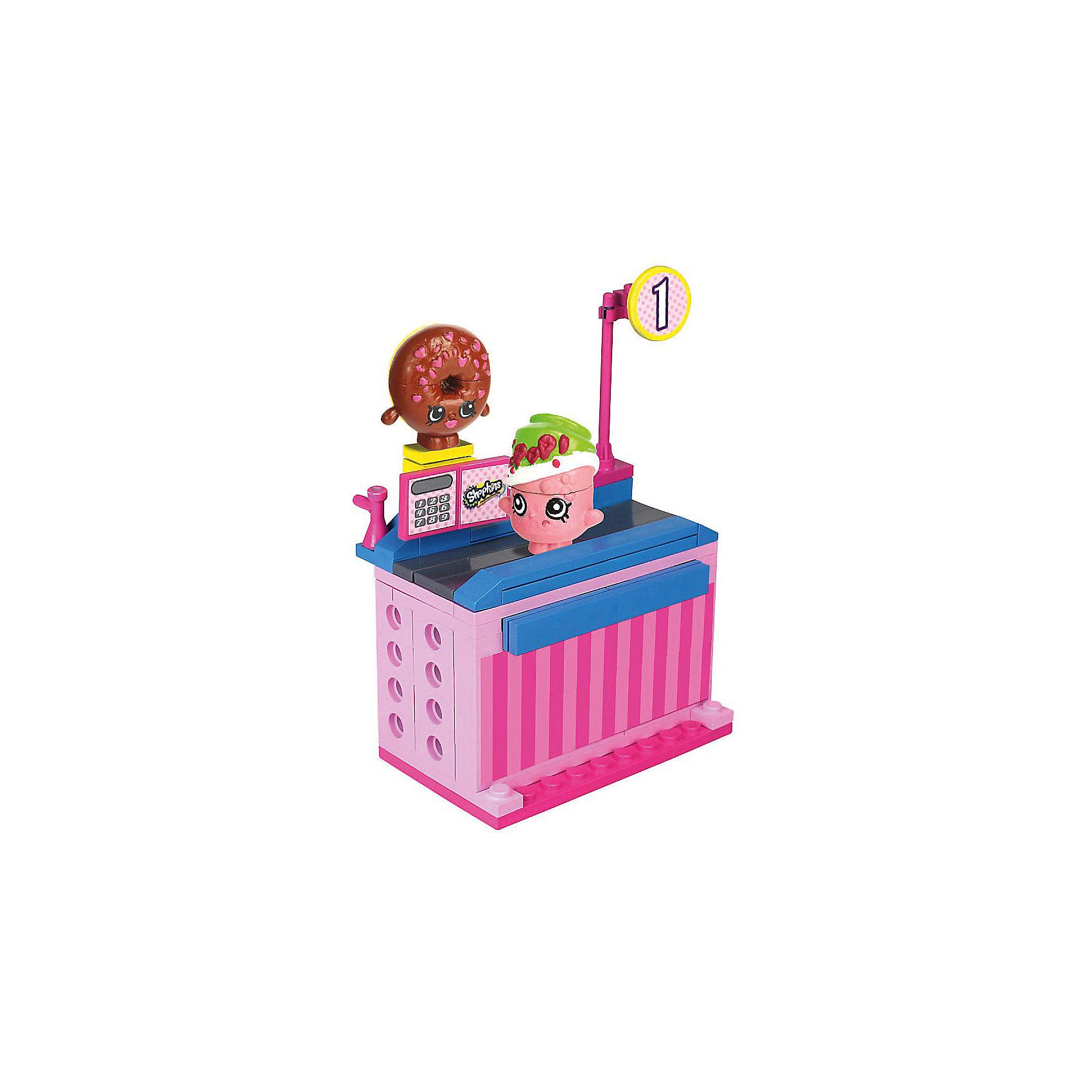 Конструктор «Магазин» Пончик Д'лиш и Сода Попс, ShopkinsЛюбителей конструкторов и мультфильма Shopkins приведет в восторг этот набор - с помощью него можно придумывать множество сюжетов игр с обожаемыми героями. Набор состоит из 62 деталей, из них можно сконструировать кассу. Также в нем есть 2 мини-фигурки – Пончик Д'лиш и Сода Попс. Они состоят из трех частей. Этот набор можно использовать в играх с другими конструкторами от Shopkins Kinstructions от The Bridge Direct и Lego. Набор произведен из высококачественных материалов и соответствует стандартам безопасности. Конструктор дополнен специальными наклейками, с помощью которых постройки можно украшать!<br><br>Дополнительная информация:<br><br>цвет: разноцветный;<br>материал: пластик;<br>деталей: 62 шт;<br>фигурок: 2 шт.<br><br>Конструктор «Магазин» Пончик Д'лиш и Сода Попс, Shopkins можно купить в нашем магазине.<br><br>Ширина мм: 38<br>Глубина мм: 127<br>Высота мм: 178<br>Вес г: 180<br>Возраст от месяцев: 72<br>Возраст до месяцев: 120<br>Пол: Женский<br>Возраст: Детский<br>SKU: 4924448