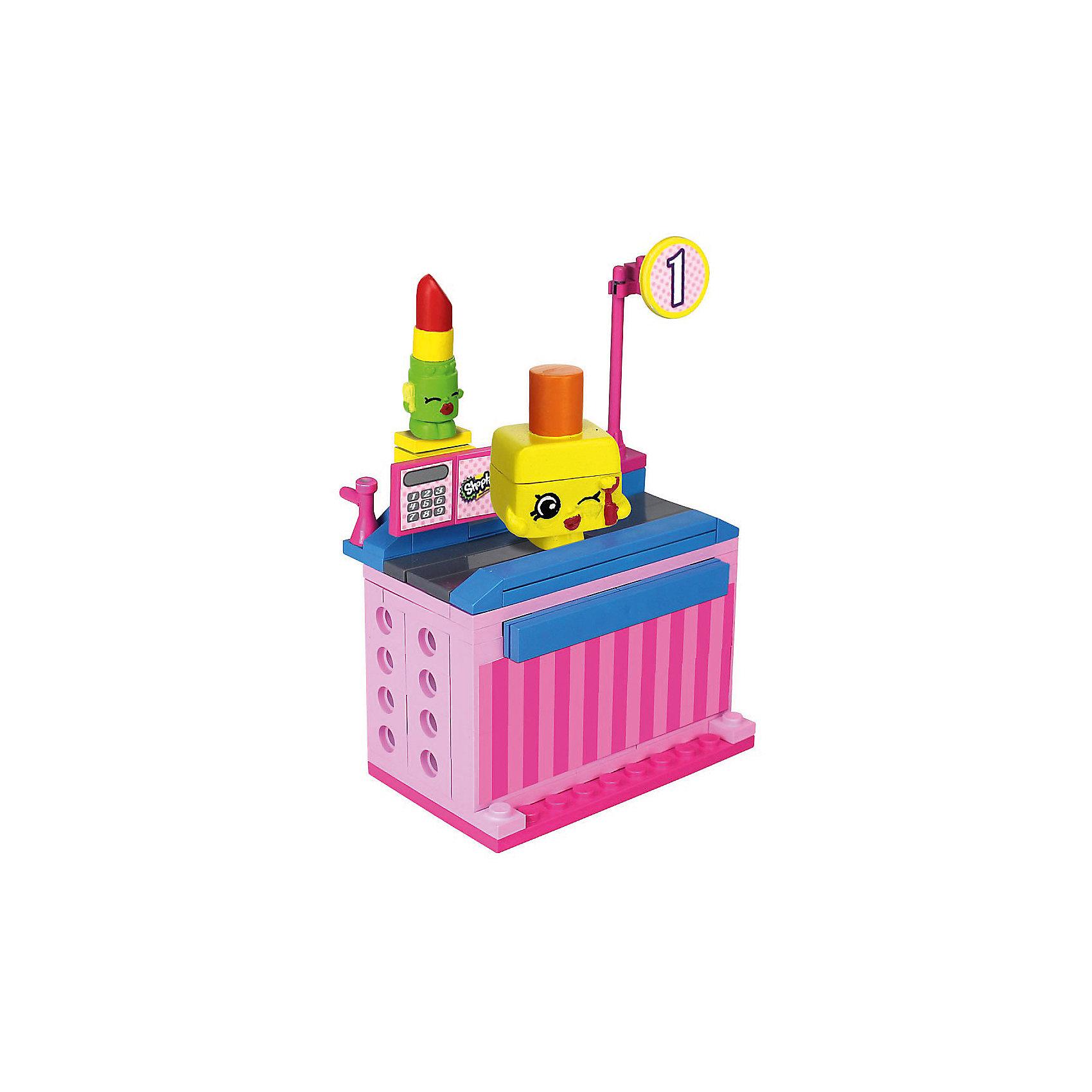 Конструктор «Магазин» Липпи Липс и Polly Polish, ShopkinsЛюбителей конструкторов и мультфильма Shopkins приведет в восторг этот набор - с помощью него можно придумывать множество сюжетов игр с обожаемыми героями. Набор состоит из 62 деталей, из них можно сконструировать кассу. Также в нем есть 2 мини-фигурки, они разбираются и состоят из трех частей. Этот комплект ребенок может использовать в наборе с другими конструкторами от Shopkins Kinstructions от The Bridge Direct и Lego. Конструктор дополнен специальными наклейками, с помощью которых постройки можно украшать! Набор сделан из высококачественных материалов в соответствии со стандартами безопасности.<br><br>Дополнительная информация:<br><br>цвет: разноцветный;<br>материал: пластик;<br>деталей: 62 шт;<br>фигурок: 2 шт.<br><br>Конструктор «Магазин» Липпи Липс и Polly Polish, Shopkins можно купить в нашем магазине.<br><br>Ширина мм: 38<br>Глубина мм: 127<br>Высота мм: 178<br>Вес г: 180<br>Возраст от месяцев: 72<br>Возраст до месяцев: 120<br>Пол: Женский<br>Возраст: Детский<br>SKU: 4924450