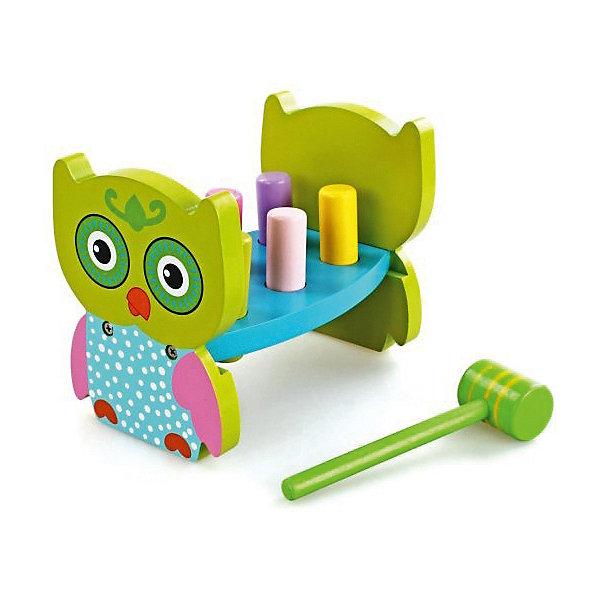 Игра с молоточком Совенок, MapachaДеревянные игрушки<br>Игра с молоточком Совенок от популярного бренда развивающих детских товаров Mapacha (Мапача) развлечет вашу кроху! Эта симпатичная яркая сова и цветные столбики привлекут внимание и с этим набором захочется играть снова и снова. У дощечки имеются шесть разноцветных столбиков, которые нужно забивать молоточком, после того, как все столбики будут забиты до конца нужно перевернуть сов и начинать снова! Игра изготовлена из экологически чистого и натурального материала – дерева, отлично отшлифована и окрашена в яркие цвета. Эта игра внесет новизну в привычные игрушки и позволит развить моторику ручек и логику.<br><br>Дополнительная информация:<br><br>- В комплект входит: Модуль со столбиками, молоточек<br>- Материал: дерево<br>- Размер: 19 * 12 *14 см.<br>- Размер молоточка: 16 см.<br>- Вес: 875 гр.<br><br>Игра с молоточком Совенок, Mapacha (Мапача) можно купить в нашем интернет-магазине.<br><br>Подробнее:<br>• Для детей в возрасте: от 3 лет<br>• Номер товара: 4925503<br>Страна производитель: Китай<br>Ширина мм: 200; Глубина мм: 130; Высота мм: 160; Вес г: 4333; Возраст от месяцев: 24; Возраст до месяцев: 72; Пол: Унисекс; Возраст: Детский; SKU: 4925503;