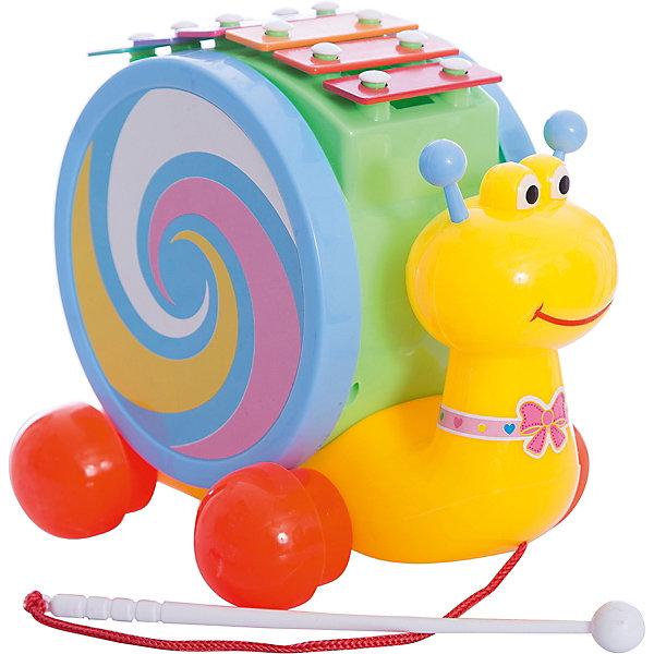 Каталка-улитка. Барабан. Ксилофон, Shantou GepaiКаталки и качалки<br>Каталка-улитка. Барабан. Ксилофон, Shantou Gepai – это веселая улитка три в одном, с которой так весело играть и развиваться! Разноцветная улитка привлечет внимание и малышу захочется проводить с ней много времени. Круглая большая «раковина» улитки на самом деле - пластиковый барабан, а палочка на шнурке, за которую улитку можно катать – барабанная палочка! На верху улитки расположены шесть клавиш цветов радуги – эти клавиши и есть ксилофон. Улитка поможет малышу развить вкус к музыке и поможет отлично провести время. Также с ней можно развивать координацию движения и развеселить шагающего малыша. <br><br>Дополнительная информация:<br><br>- В комплект входит: 1 каталка<br>- Материал: АБС пластик<br>- Размер: 22 * 16 * 27 см<br><br>Каталку-улитка. Барабан. Ксилофон, Shantou Gepai можно купить в нашем интернет-магазине.<br><br>Подробнее:<br>• Для детей в возрасте: от 3 до 6 лет<br>• Номер товара: 4925517<br>Страна производитель: Китай<br><br>Ширина мм: 220<br>Глубина мм: 155<br>Высота мм: 270<br>Вес г: 675<br>Возраст от месяцев: 36<br>Возраст до месяцев: 72<br>Пол: Унисекс<br>Возраст: Детский<br>SKU: 4925517