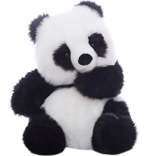 Панда, 45 смМягкие игрушки животные<br>Панда, 45 см – игрушка от знаменитого бренда Hansa, специализирующегося на выпуске мягких игрушек с высокой степенью натуралистичности. Внешний вид игрушки полностью соответствует своему реальному прототипу – панде (бамбуковому медведю). Она выполнена из искусственного меха с длинным ворсом. Окрас игрушки полностью повторяет окрас бамбукового медведя. Использованные материалы обладают гипоаллергенными свойствами. Внутри игрушки имеется металлический каркас, позволяющий изменять положение. <br>Игрушка относится к серии Дикие животные. <br>Мягкие игрушки от Hansa подходят для сюжетно-ролевых игр, для обучающих игр, направленных на знакомство с животным миром дикой природы. Кроме того, их можно использовать в качестве интерьерных игрушек. Коллекция из нескольких игрушек позволяет создать свой домашний зоопарк, который будет радовать вашего ребенка долгое время, так как ручная работа и качественные материалы гарантируют их долговечность и прочность.<br><br>Дополнительная информация:<br><br>- Вид игр: сюжетно-ролевые игры, коллекционирование, интерьерные игрушки<br>- Предназначение: для дома, для детских развивающих центров, для детских садов<br>- Материал: искусственный мех, наполнитель ? полиэфирное волокно<br>- Размер (ДхШхВ): 43*46*38 см<br>- Вес: 2 кг 270 г<br>- Особенности ухода: сухая чистка при помощи пылесоса или щетки для одежды<br><br>Подробнее:<br><br>• Для детей в возрасте: от 3 лет <br>• Страна производитель: Филиппины<br>• Торговый бренд: Hansa<br><br>Панду, 45 см можно купить в нашем интернет-магазине.<br><br>Ширина мм: 43<br>Глубина мм: 46<br>Высота мм: 38<br>Вес г: 2270<br>Возраст от месяцев: 36<br>Возраст до месяцев: 2147483647<br>Пол: Унисекс<br>Возраст: Детский<br>SKU: 4927138